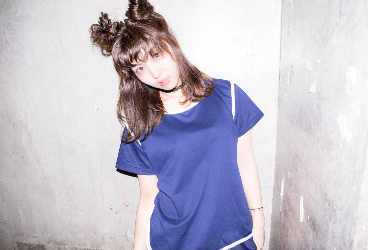 ミディアム ハーフアップ ヘアアレンジ ガーリー ヘアスタイルや髪型の写真・画像