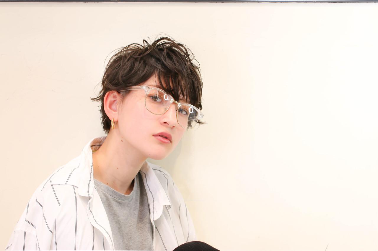 グレージュ ハイライト ショート パーマ ヘアスタイルや髪型の写真・画像