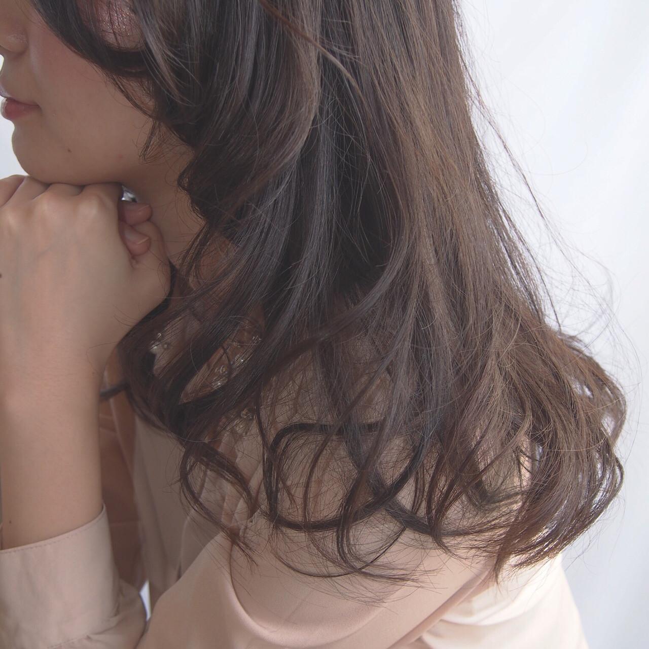パーマ 外国人風 簡単 ロング ヘアスタイルや髪型の写真・画像 | 比嘉春之 / RUMOR(ルモア)