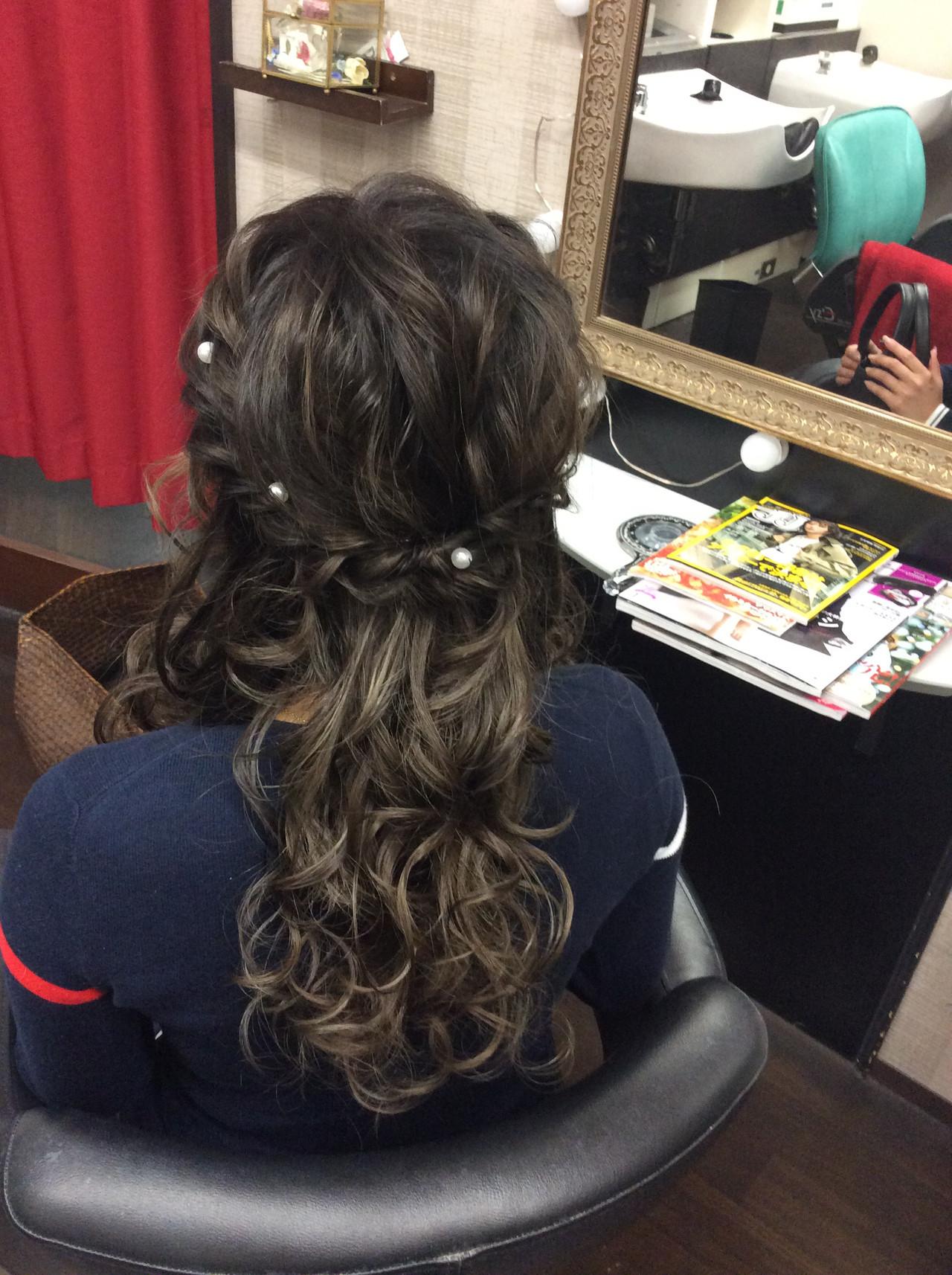 ロング 編み込み ナチュラル ヘアアレンジ ヘアスタイルや髪型の写真・画像