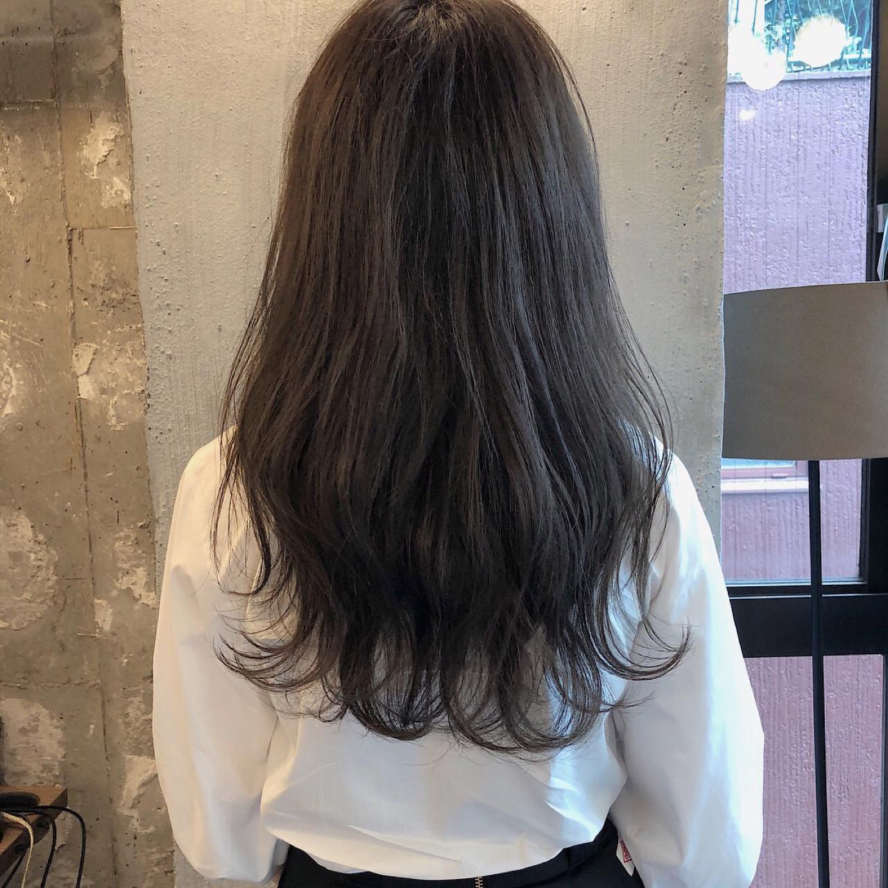 暗髪 女子力 ロング ナチュラル ヘアスタイルや髪型の写真・画像 | 冨永 真太郎 / 人トナリ