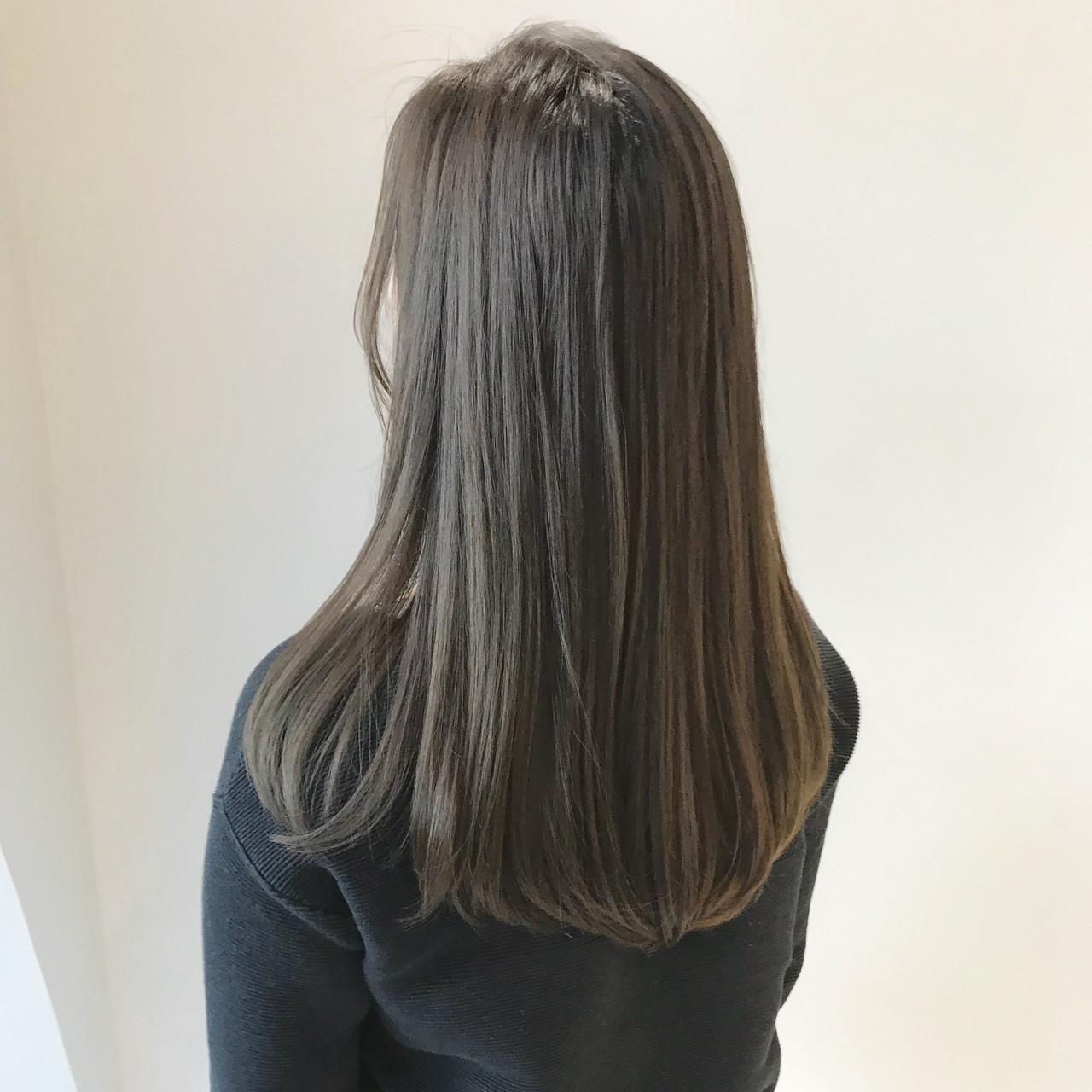 ナチュラル アッシュグレージュ グレージュ セミロング ヘアスタイルや髪型の写真・画像 | SHUN / Cocoon 銀座