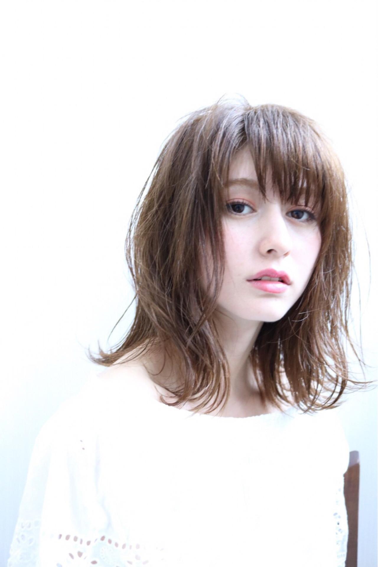 アンニュイ リラックス ミディアム 雨の日 ヘアスタイルや髪型の写真・画像