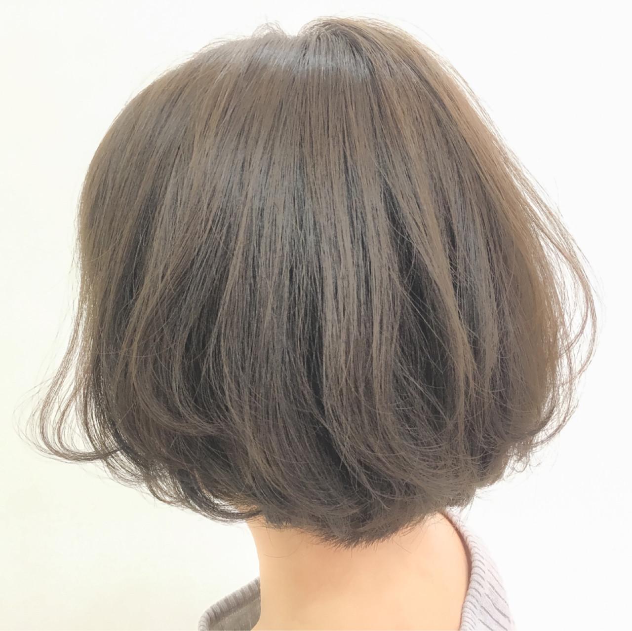 グレージュ ボブ アッシュベージュ ナチュラル ヘアスタイルや髪型の写真・画像 | 齊藤 禎 / AUBE hair gran