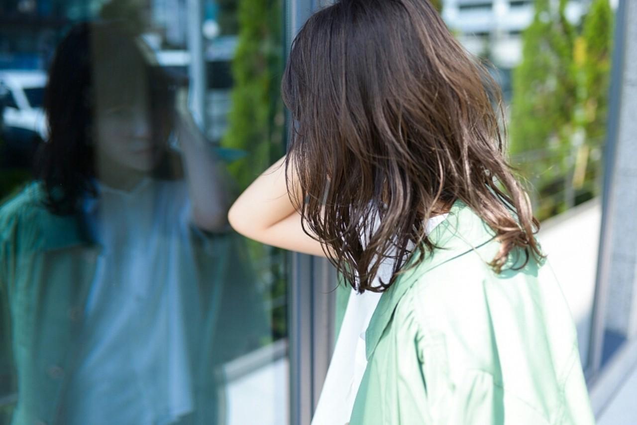 前髪あり ミディアム ナチュラル ルーズ ヘアスタイルや髪型の写真・画像