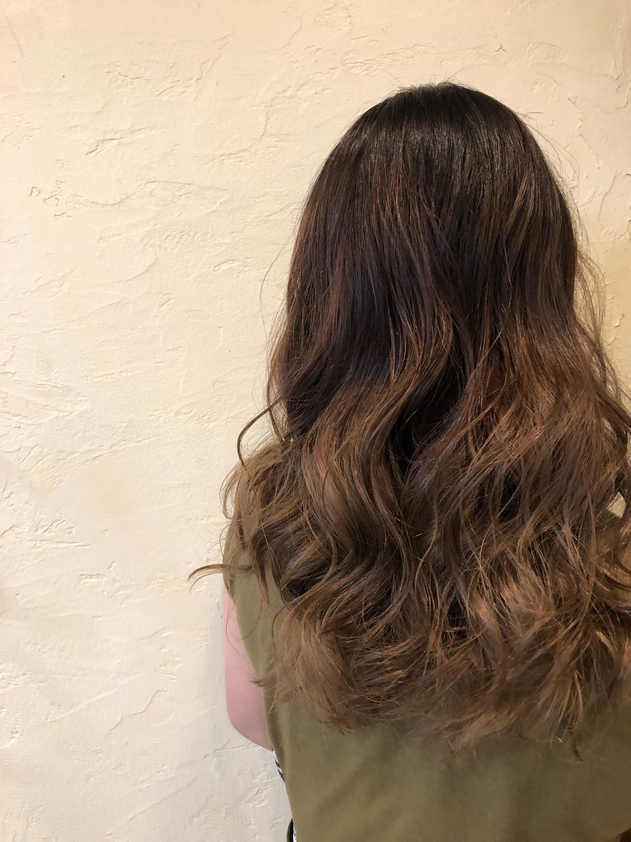 ナチュラル セミロング ブリーチ必須 デザインカラー ヘアスタイルや髪型の写真・画像 | TMe hair/tomoe chiba / TMe hair川崎小田