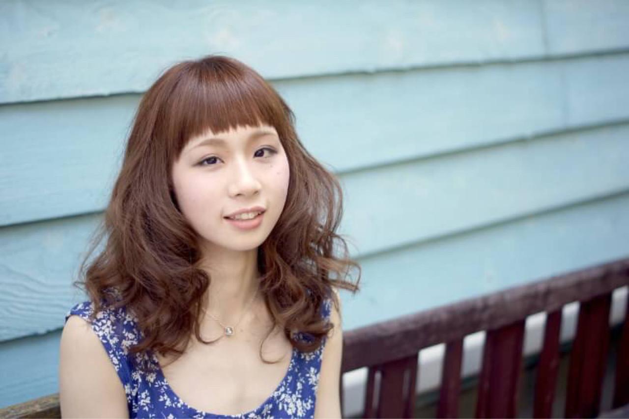 ミディアム フェミニン リラックス パーマ ヘアスタイルや髪型の写真・画像 | 贄川 卓也 / solana