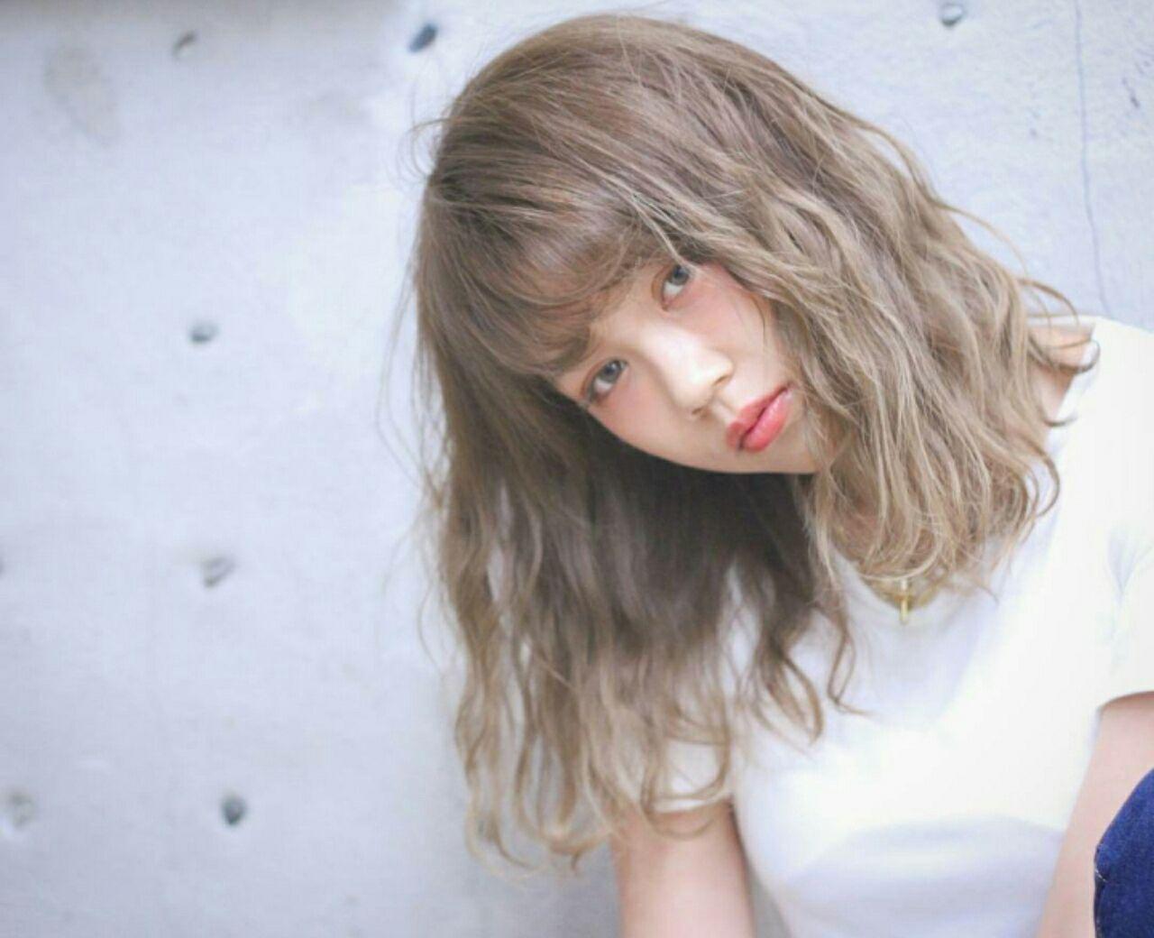 波ウェーブ グラデーションカラー 爽やか 外国人風 ヘアスタイルや髪型の写真・画像
