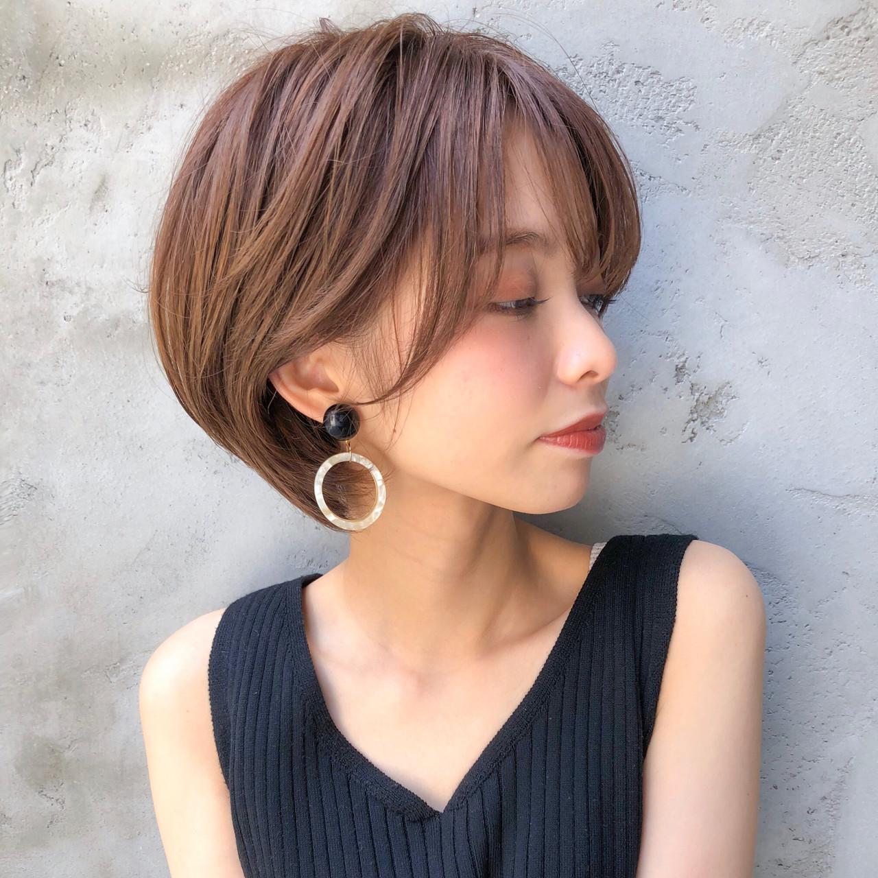 ショートヘア ミニボブ ナチュラル ベリーショート ヘアスタイルや髪型の写真・画像