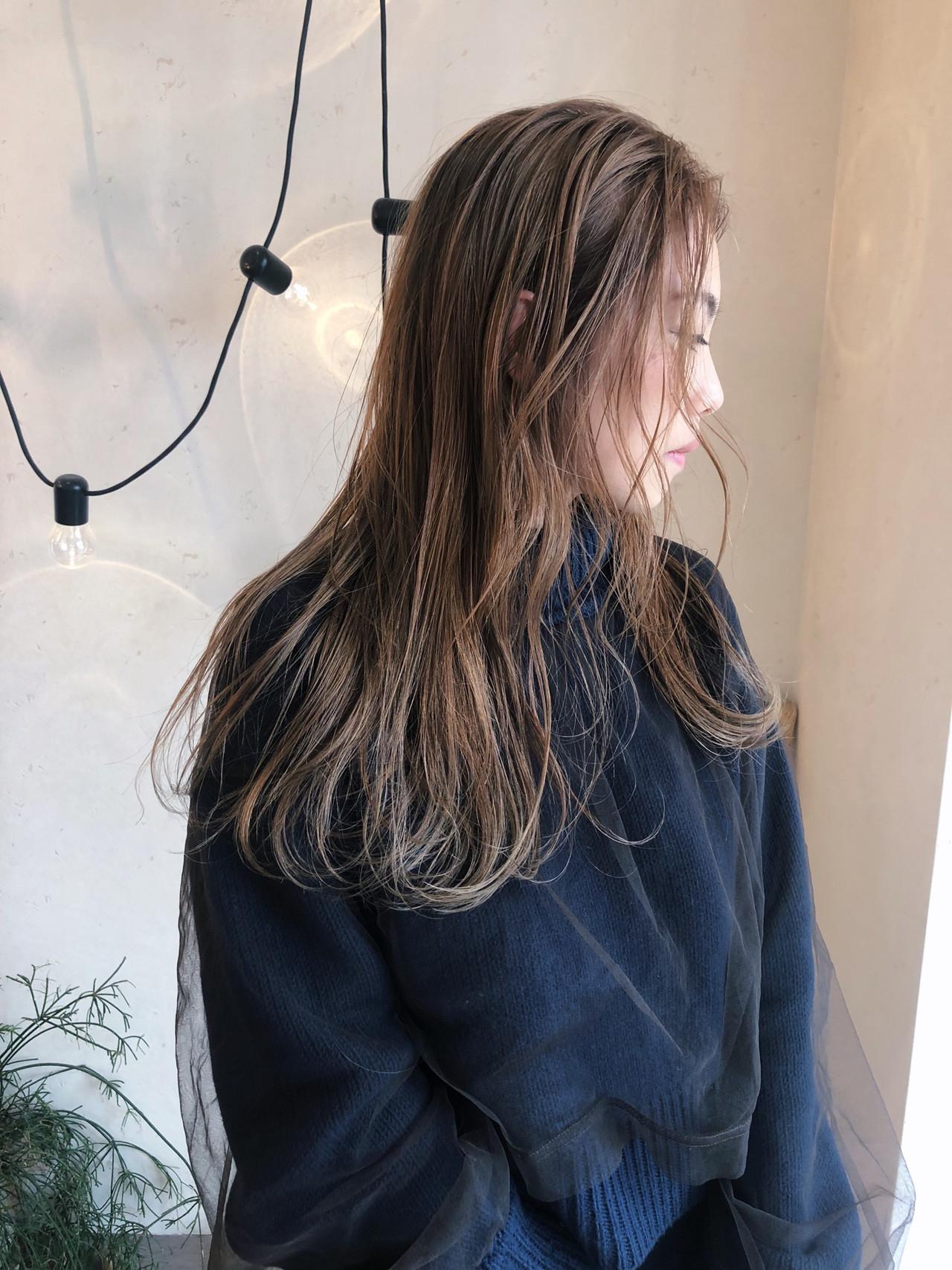 ナチュラル ハイトーンカラー 大人かわいい アンニュイほつれヘア ヘアスタイルや髪型の写真・画像