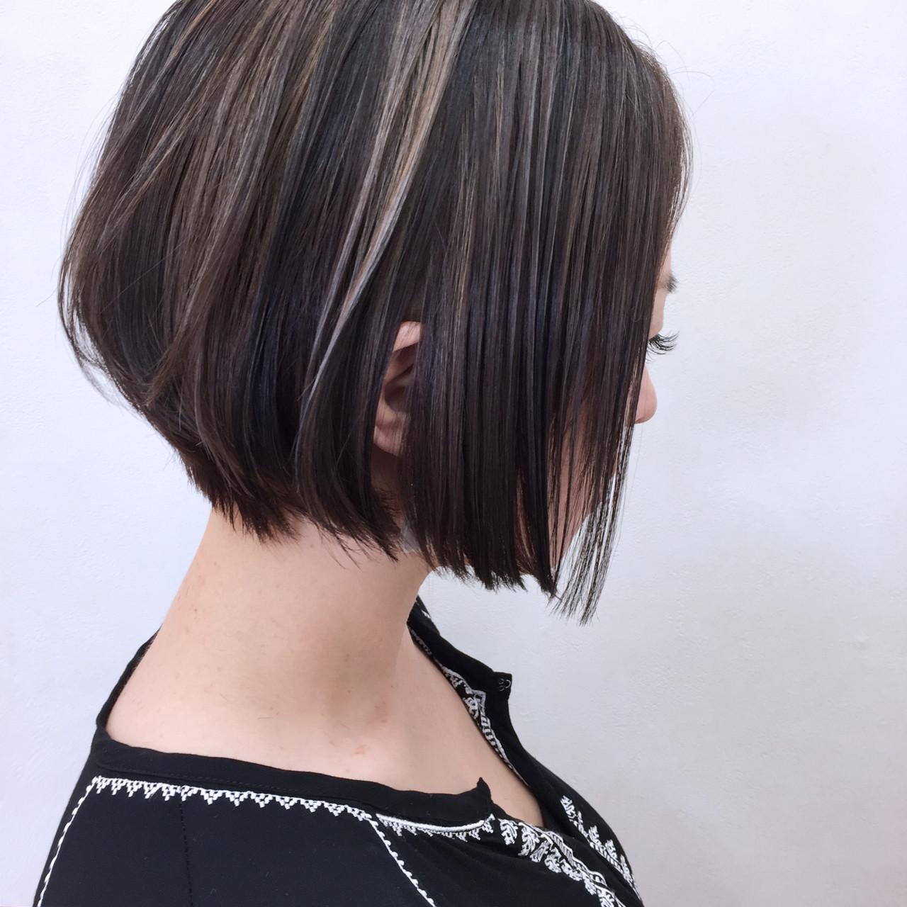 ウェットヘア ストレート グレージュ ハイライト ヘアスタイルや髪型の写真・画像