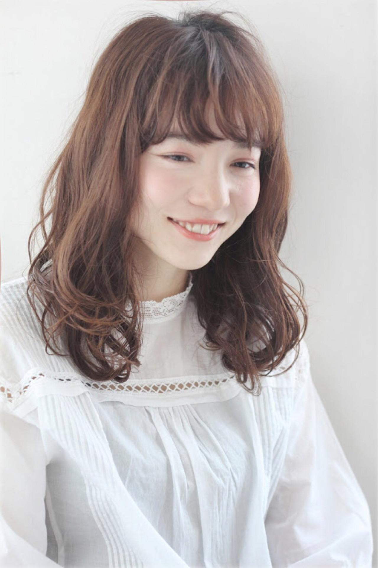 ウェーブ フェミニン ミディアム ナチュラル ヘアスタイルや髪型の写真・画像 | mod's hair/sasaki ayumi / mod's hair 新宿サウス店