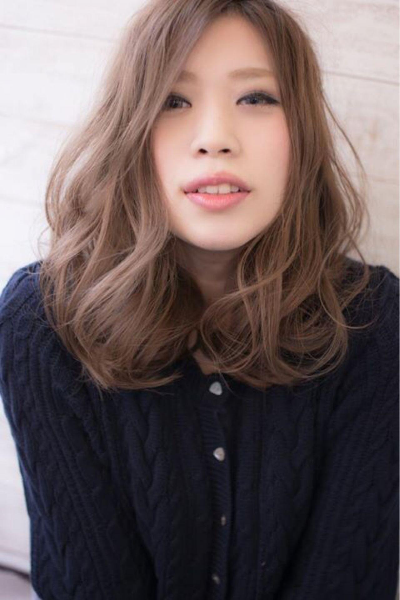 ゆるふわ ウェーブ ミディアム 秋 ヘアスタイルや髪型の写真・画像 | 田渕 英和/vicushair / vicushair