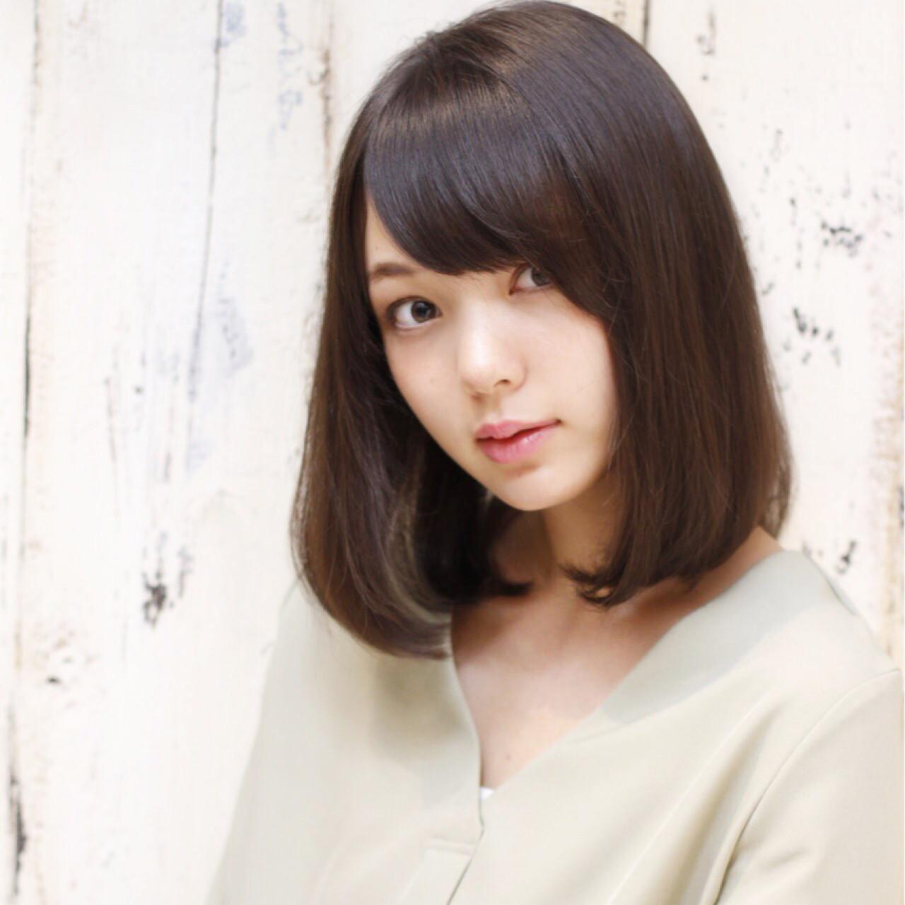 透明感 秋 ナチュラル 黒髪 ヘアスタイルや髪型の写真・画像