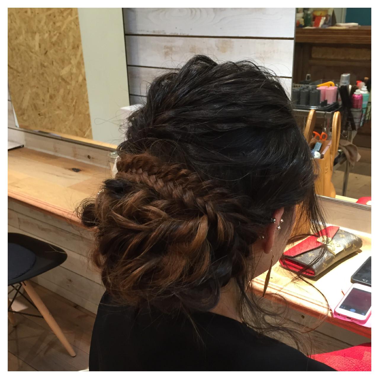 編み込み 波ウェーブ ねじり ロング ヘアスタイルや髪型の写真・画像 | 阪田充章 / MITU