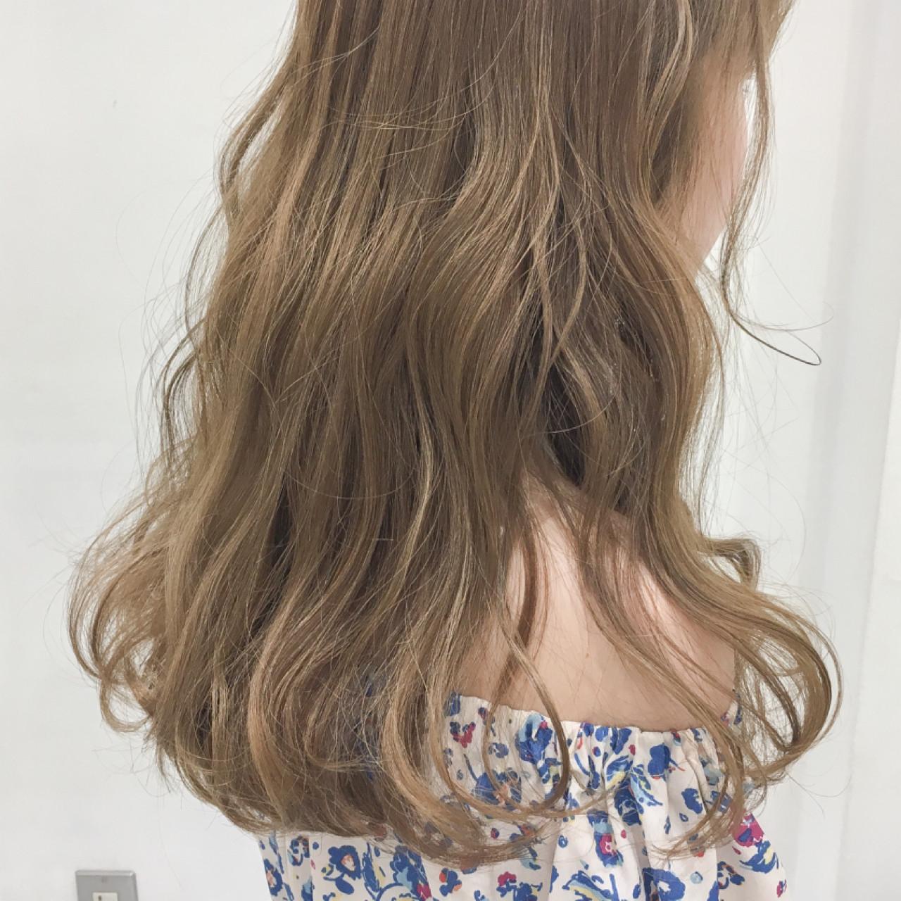 グレージュ ヌーディーベージュ アッシュ 外国人風カラー ヘアスタイルや髪型の写真・画像 | 齊藤 禎 / AUBE hair gran