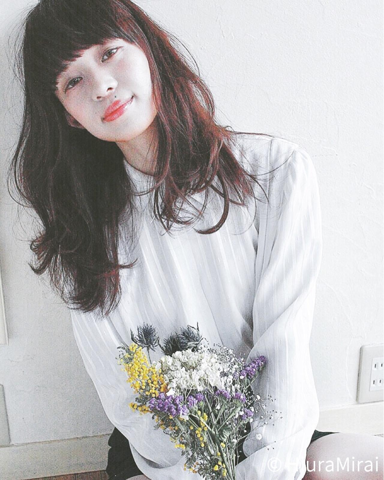 フリンジバング ミディアム ナチュラル ミルクティー ヘアスタイルや髪型の写真・画像   Mirai / enntaku
