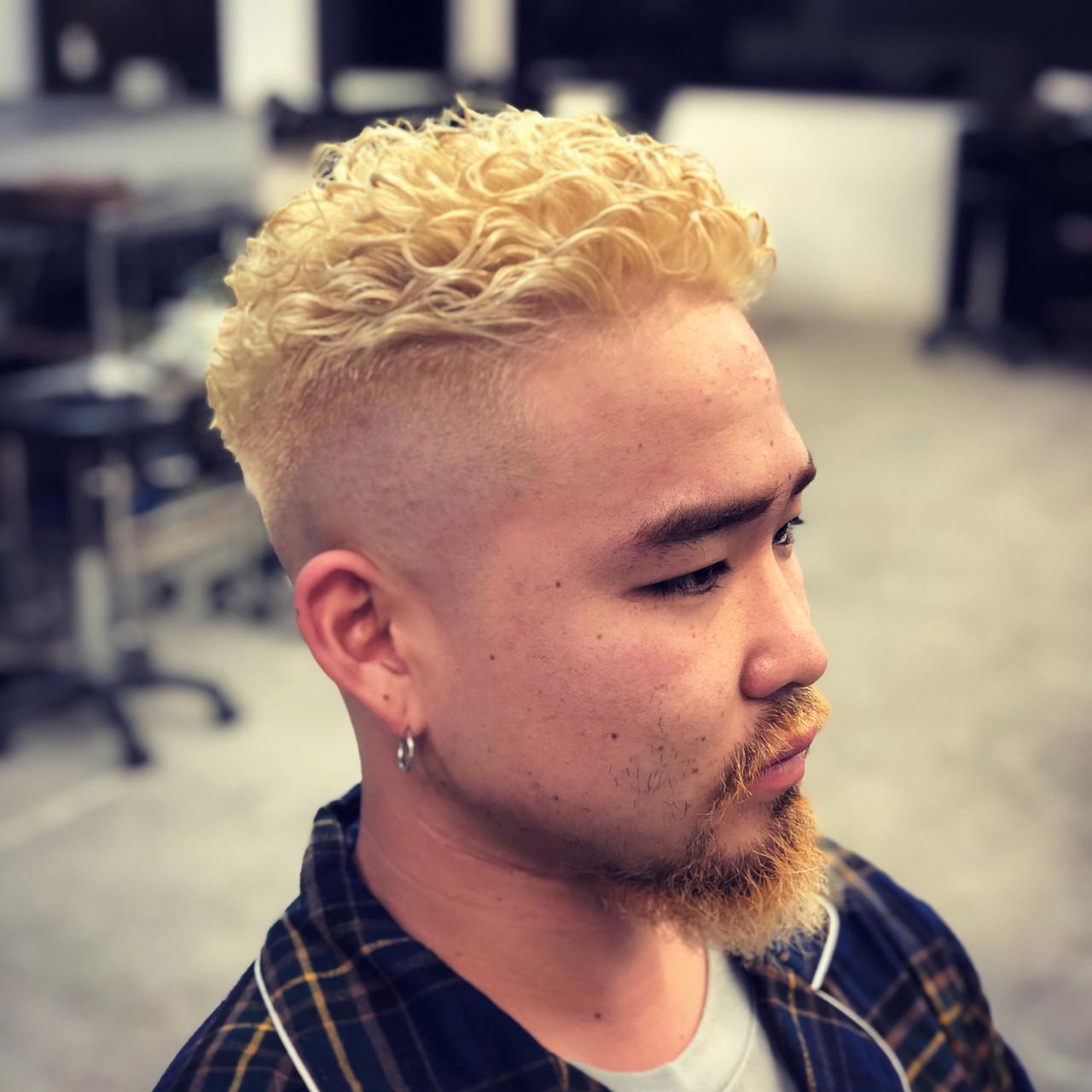 メンズパーマ メンズ ショート 刈り上げ ヘアスタイルや髪型の写真・画像   原田亮輔 / LOWE