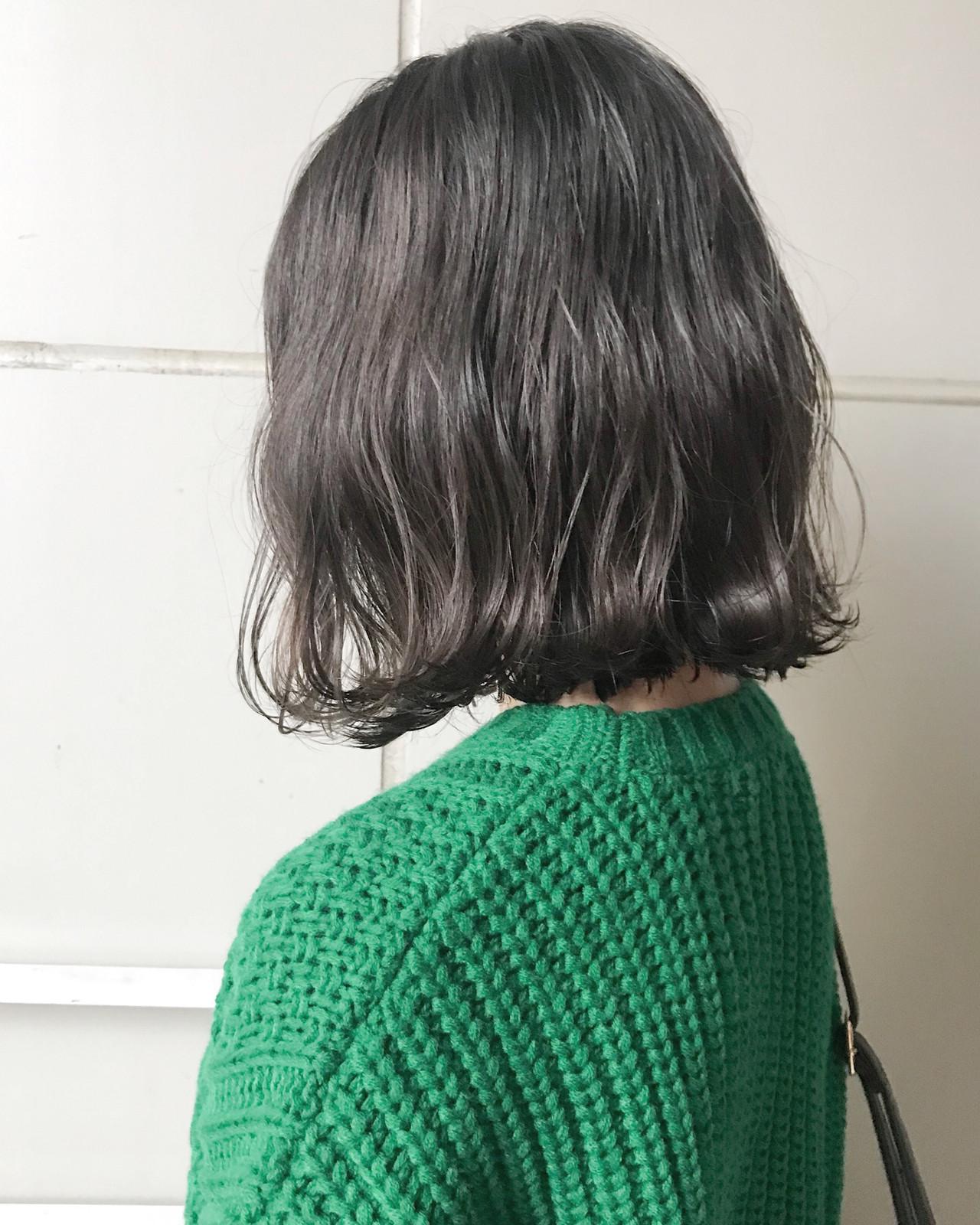 エフォートレス フェミニン 暗髪 グレー ヘアスタイルや髪型の写真・画像