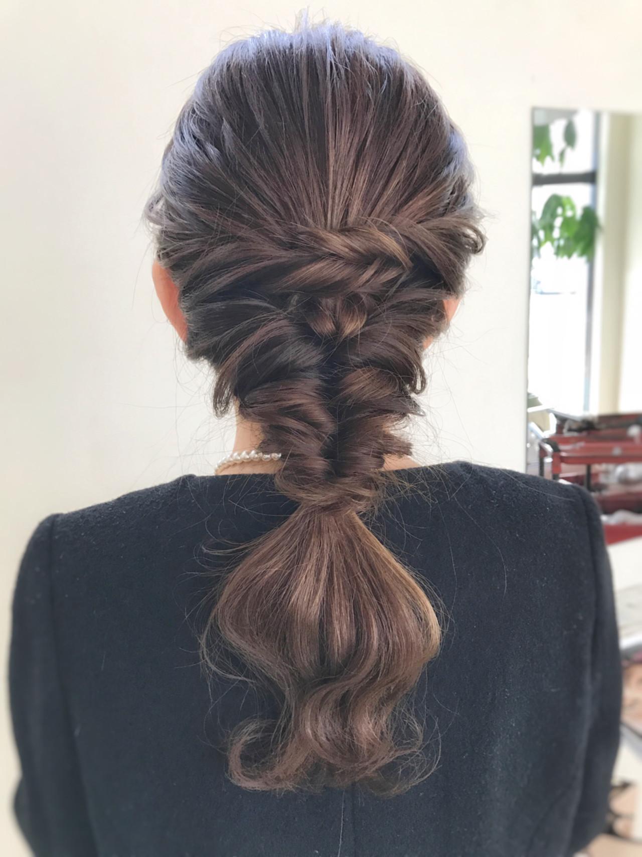編み込み 結婚式 セミロング フェミニン ヘアスタイルや髪型の写真・画像 | サワ / Seamu