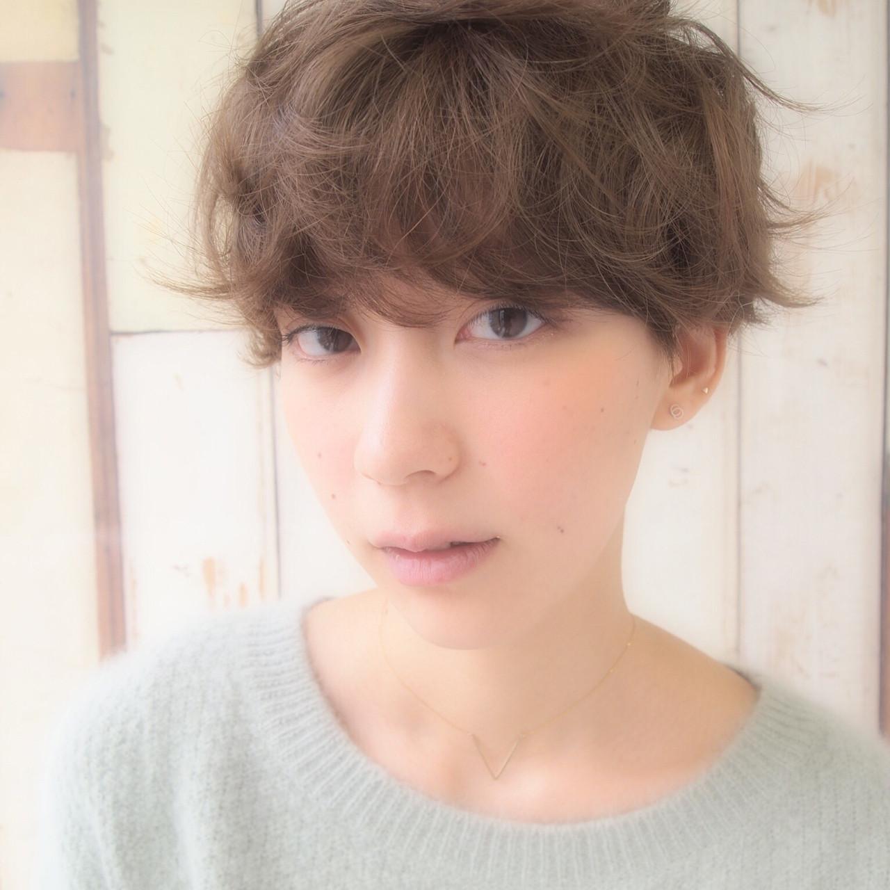 くせ毛風 ナチュラル マッシュ 外国人風 ヘアスタイルや髪型の写真・画像