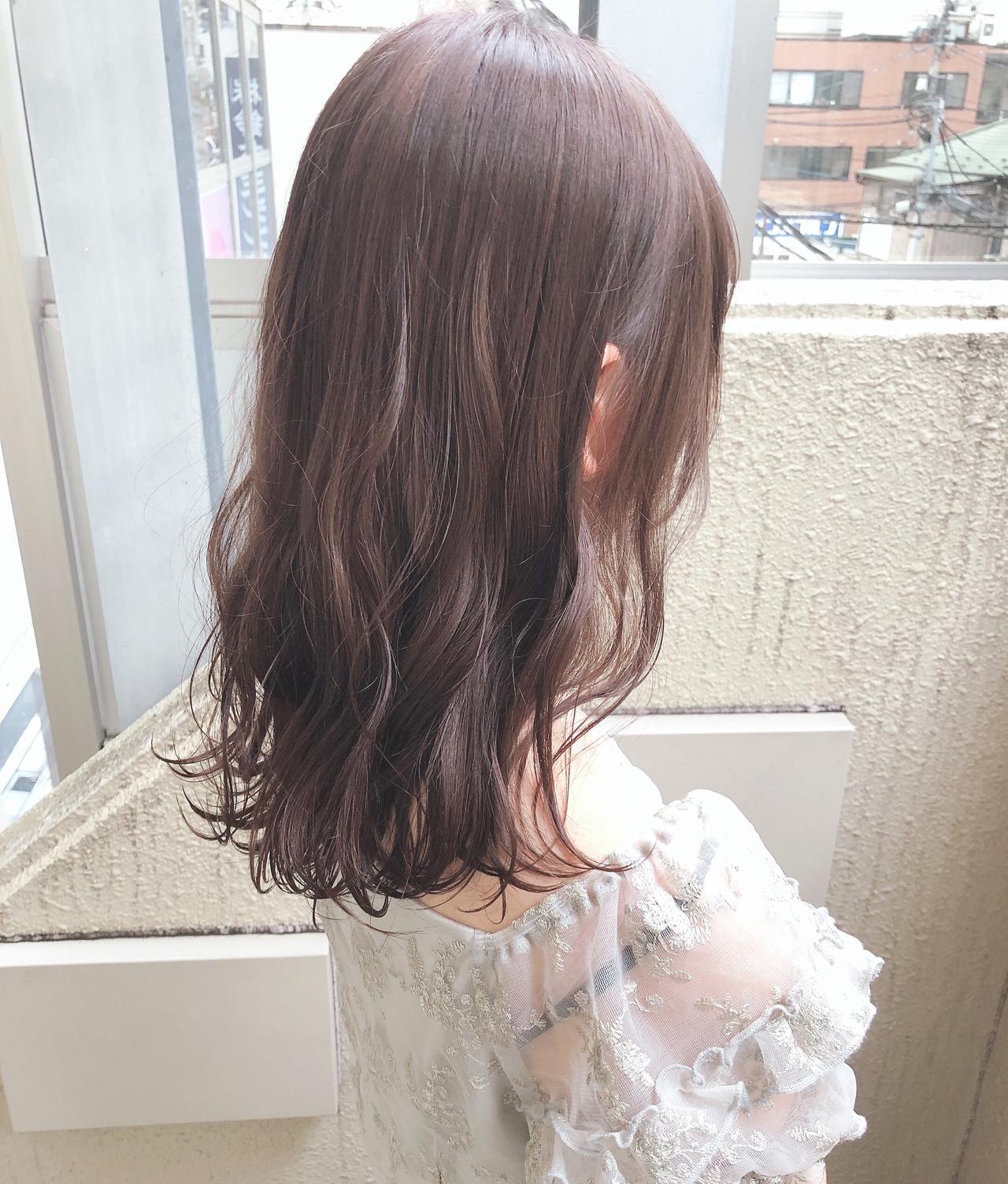 セミロング ゆるふわ モード 透明感 ヘアスタイルや髪型の写真・画像