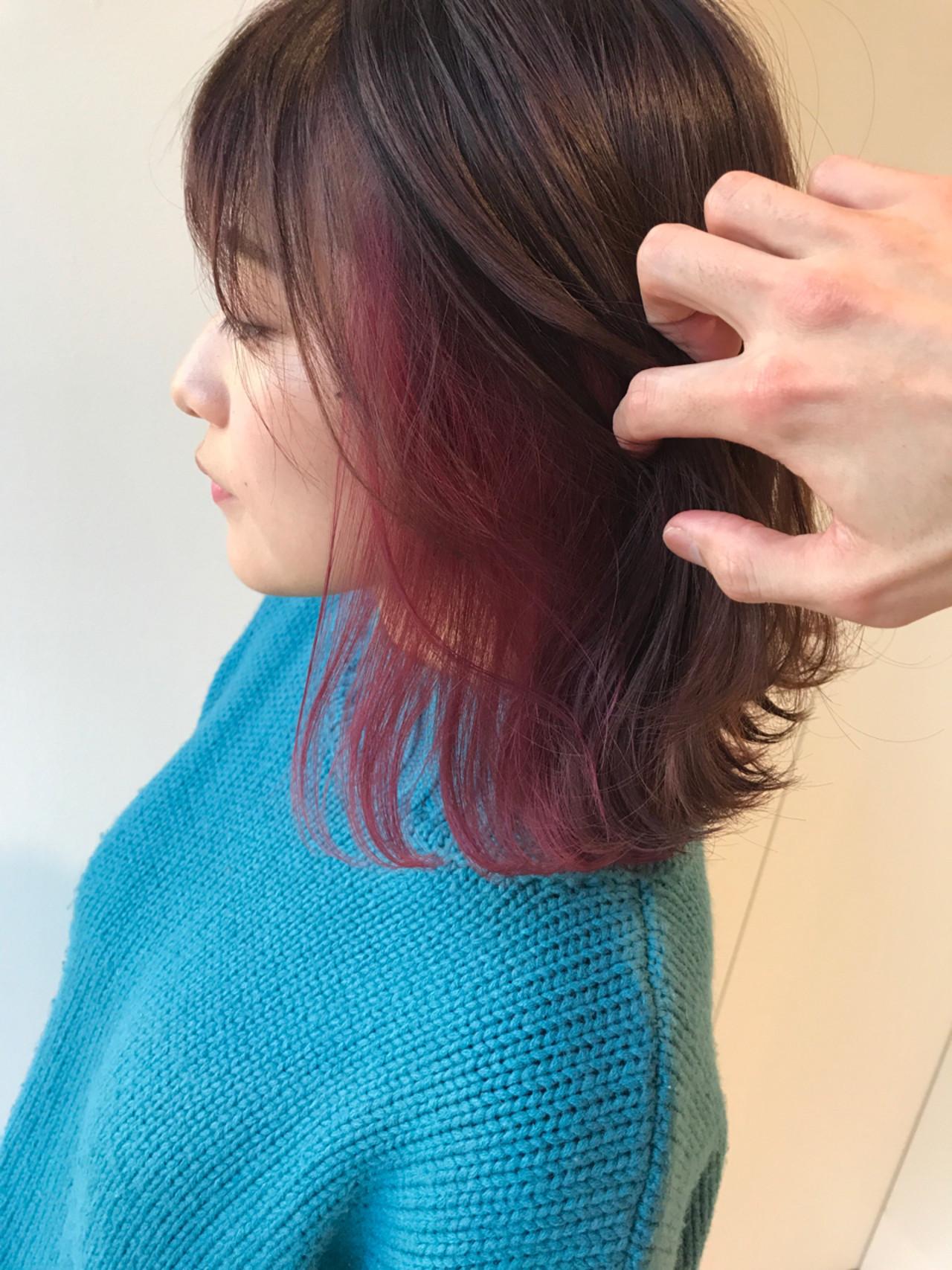ミディアム ロブ インナーピンク ナチュラル ヘアスタイルや髪型の写真・画像