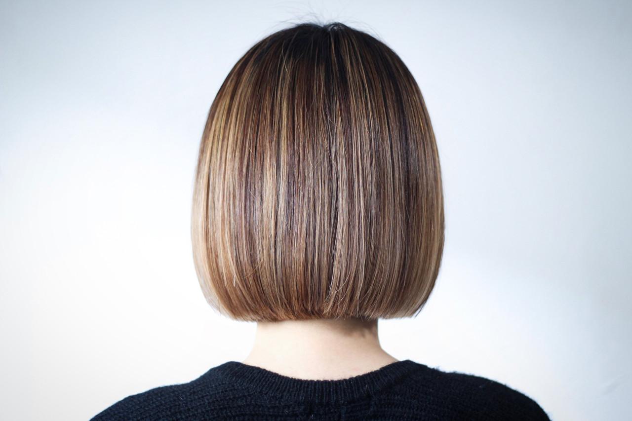 切りっぱなし パープル ラベンダーピンク 切りっぱなしボブ ヘアスタイルや髪型の写真・画像