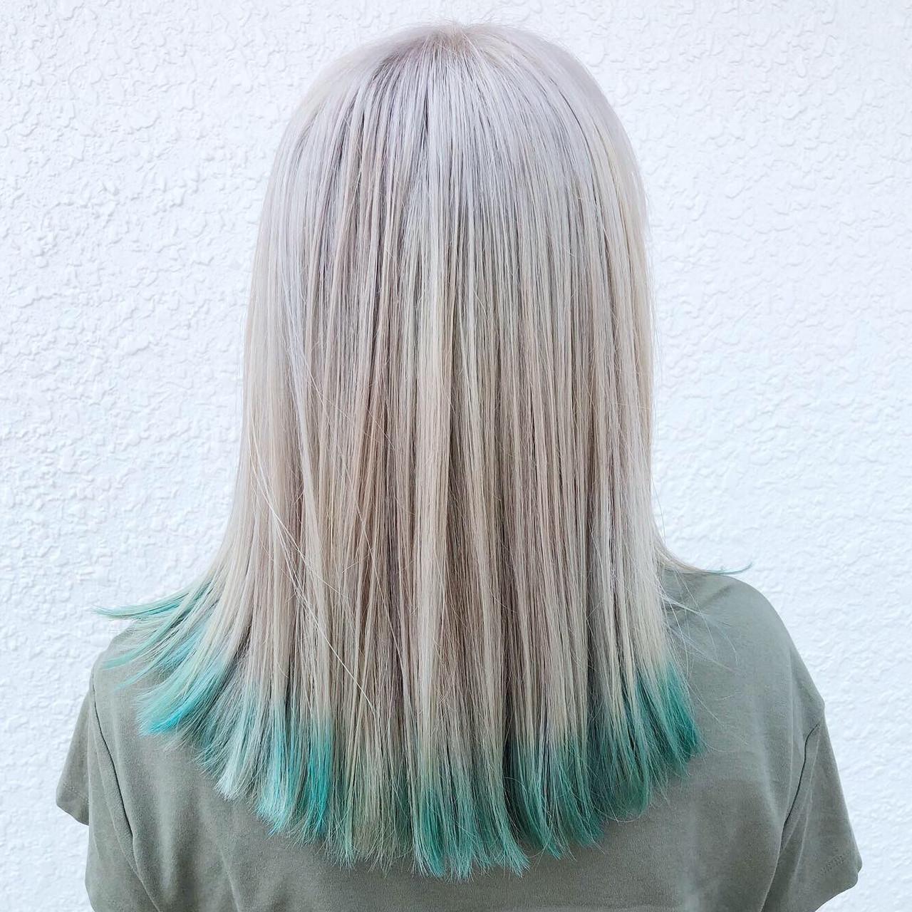 ブリーチ フェミニン ホワイトブリーチ 外国人風カラー ヘアスタイルや髪型の写真・画像