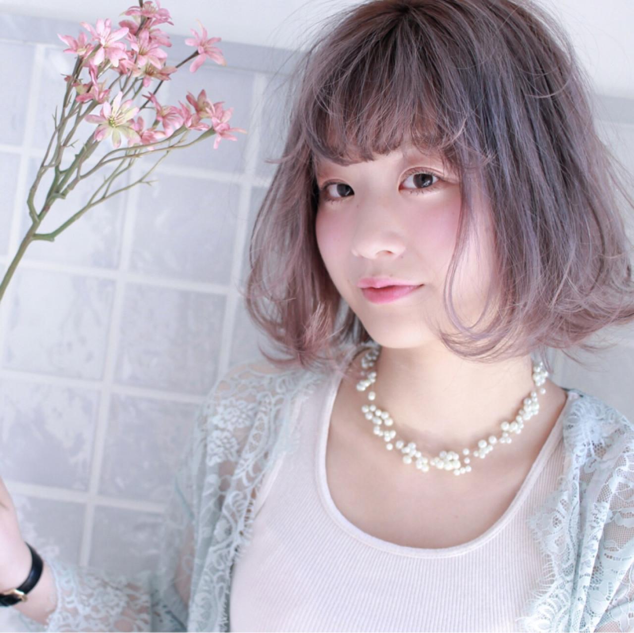 パーマ フェミニン デート ミディアム ヘアスタイルや髪型の写真・画像
