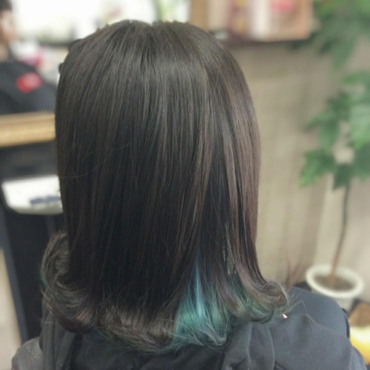 ミディアム ガーリー インナーカラー インナーブルー ヘアスタイルや髪型の写真・画像   rumiLINKS美容室 / リンクス美容室