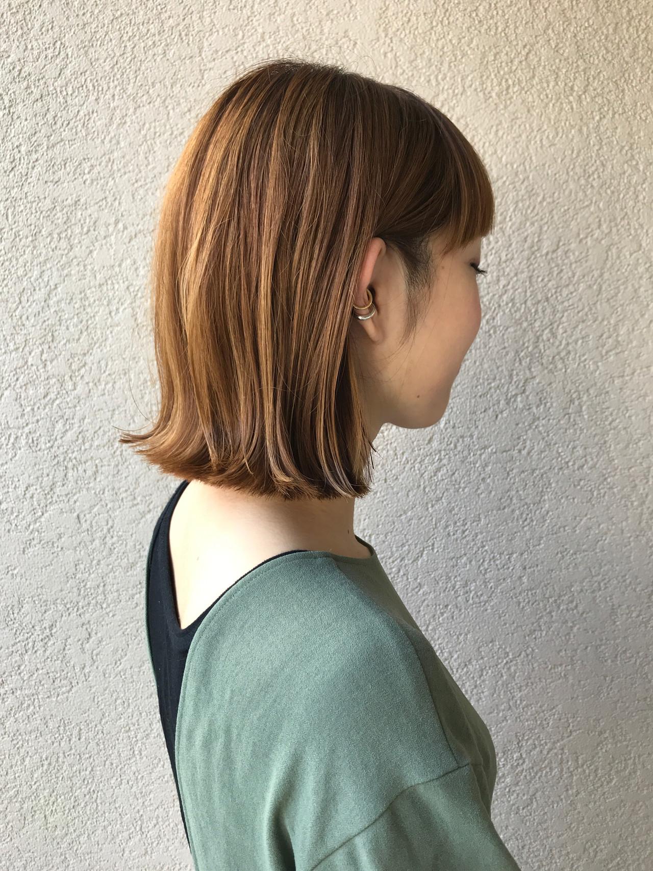ボブ 外ハネボブ 切りっぱなしボブ インナーカラー ヘアスタイルや髪型の写真・画像   富永暁子 / SUMMER