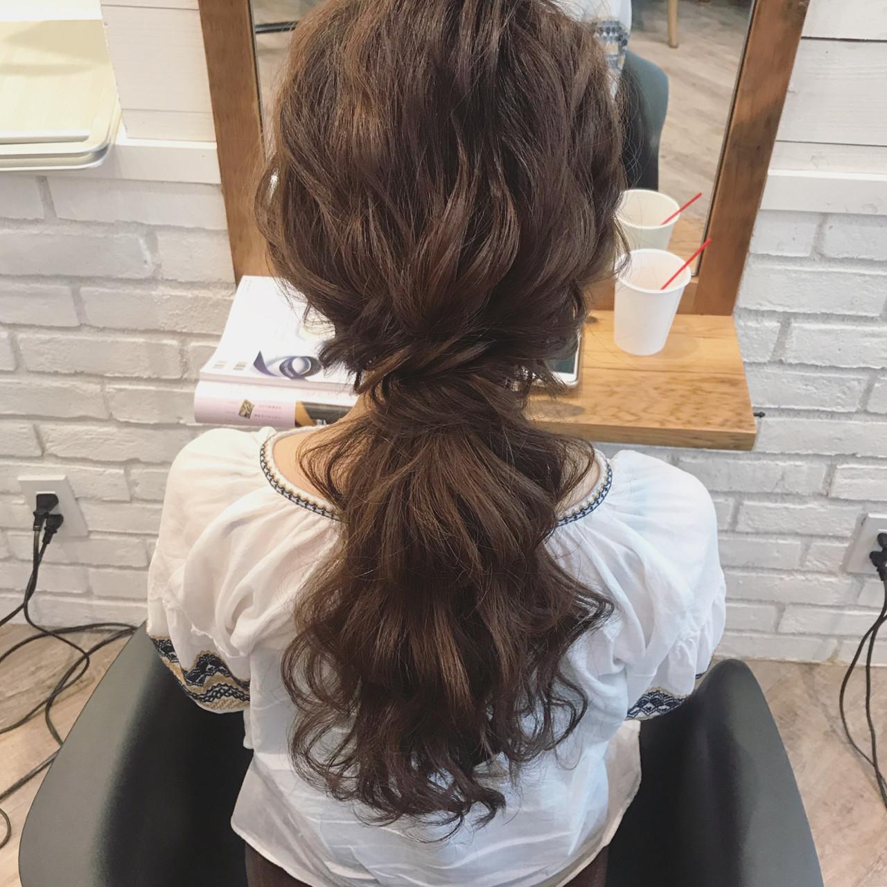 ナチュラル 結婚式 リラックス ウェーブ ヘアスタイルや髪型の写真・画像 | Kaneko Mayumi / BOTTOMS