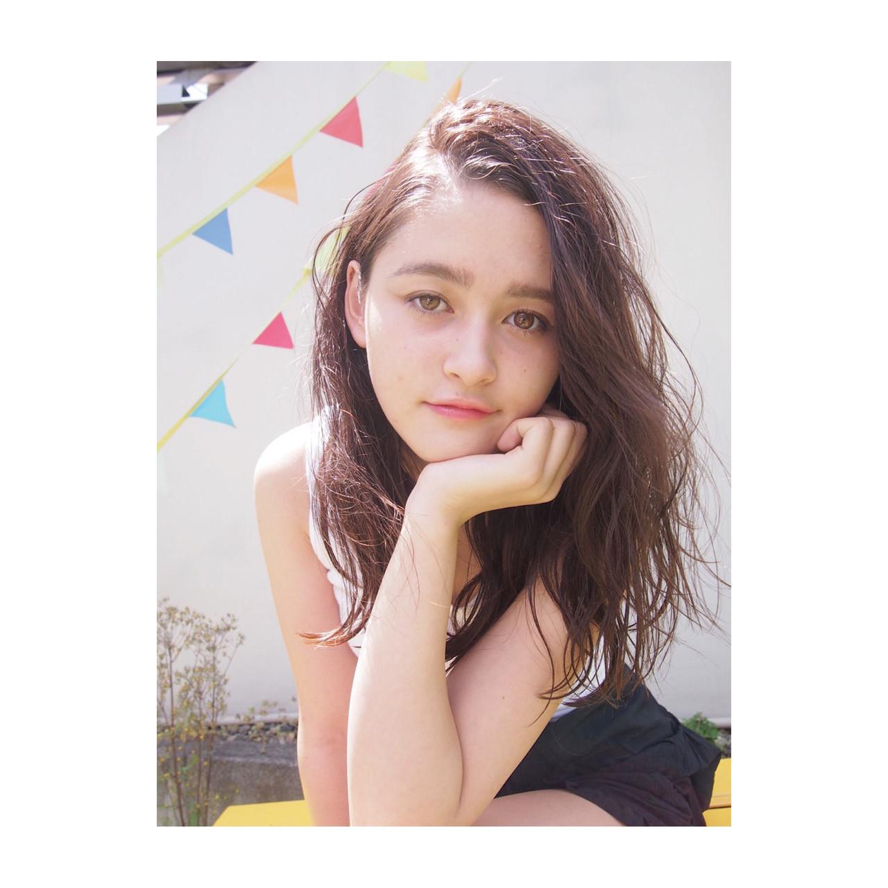 ヘアアレンジ 夏 外国人風 ナチュラル ヘアスタイルや髪型の写真・画像