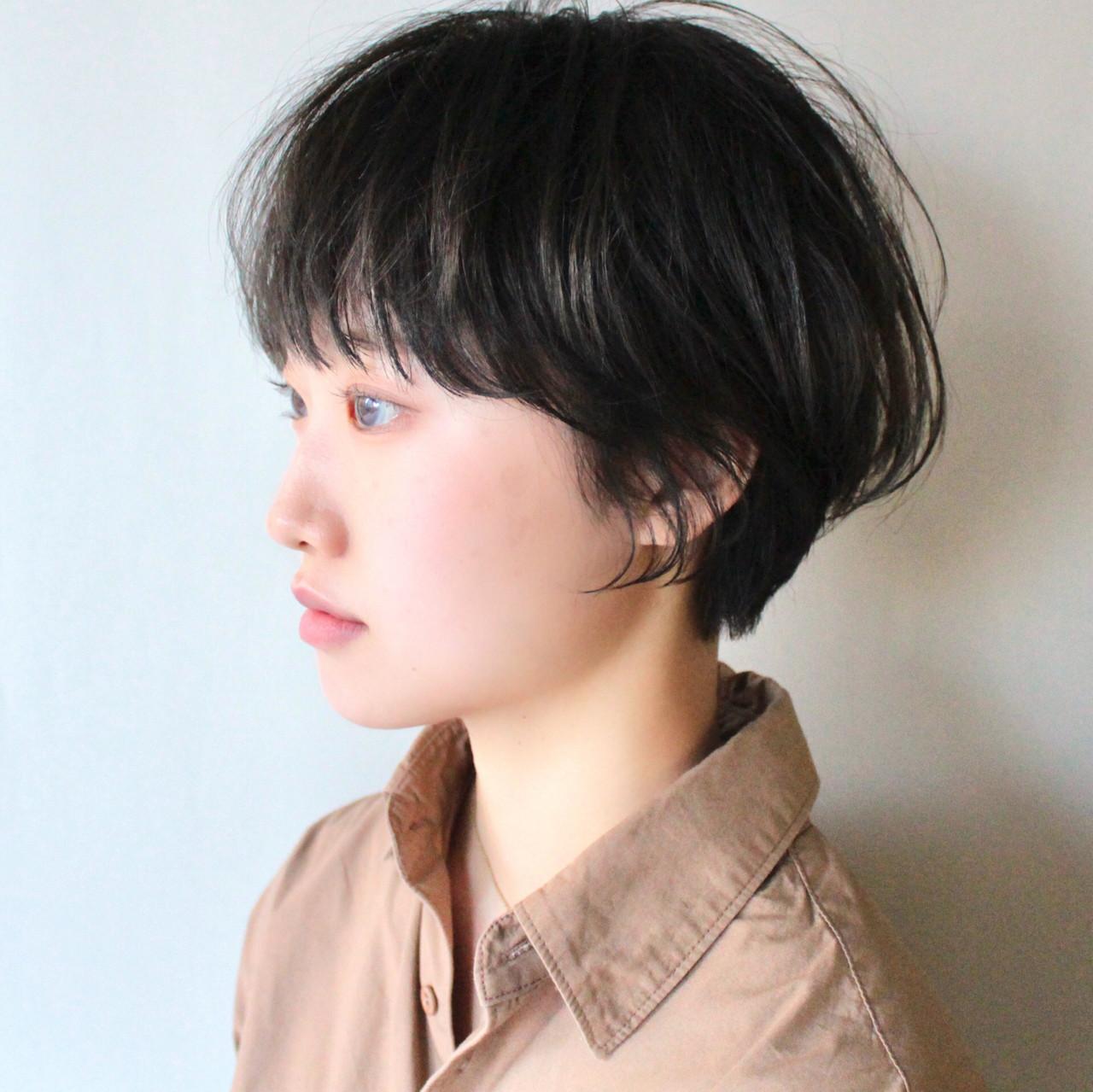 ショートボブ ショートヘア ナチュラル ハンサムショート ヘアスタイルや髪型の写真・画像