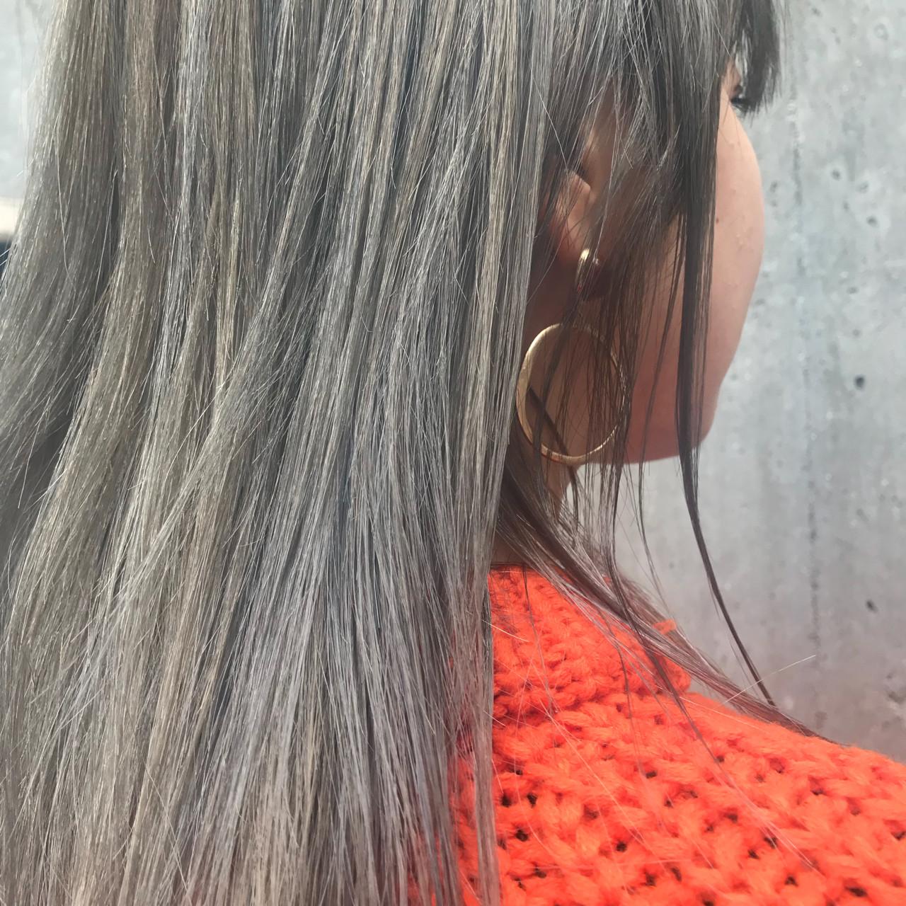 グレーアッシュ ストリート ブリーチ ハイライト ヘアスタイルや髪型の写真・画像