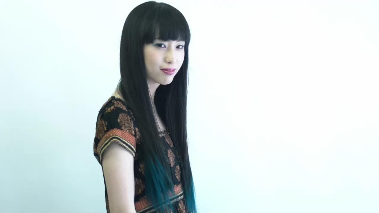 黒髪 モード ロング 前髪あり ヘアスタイルや髪型の写真・画像