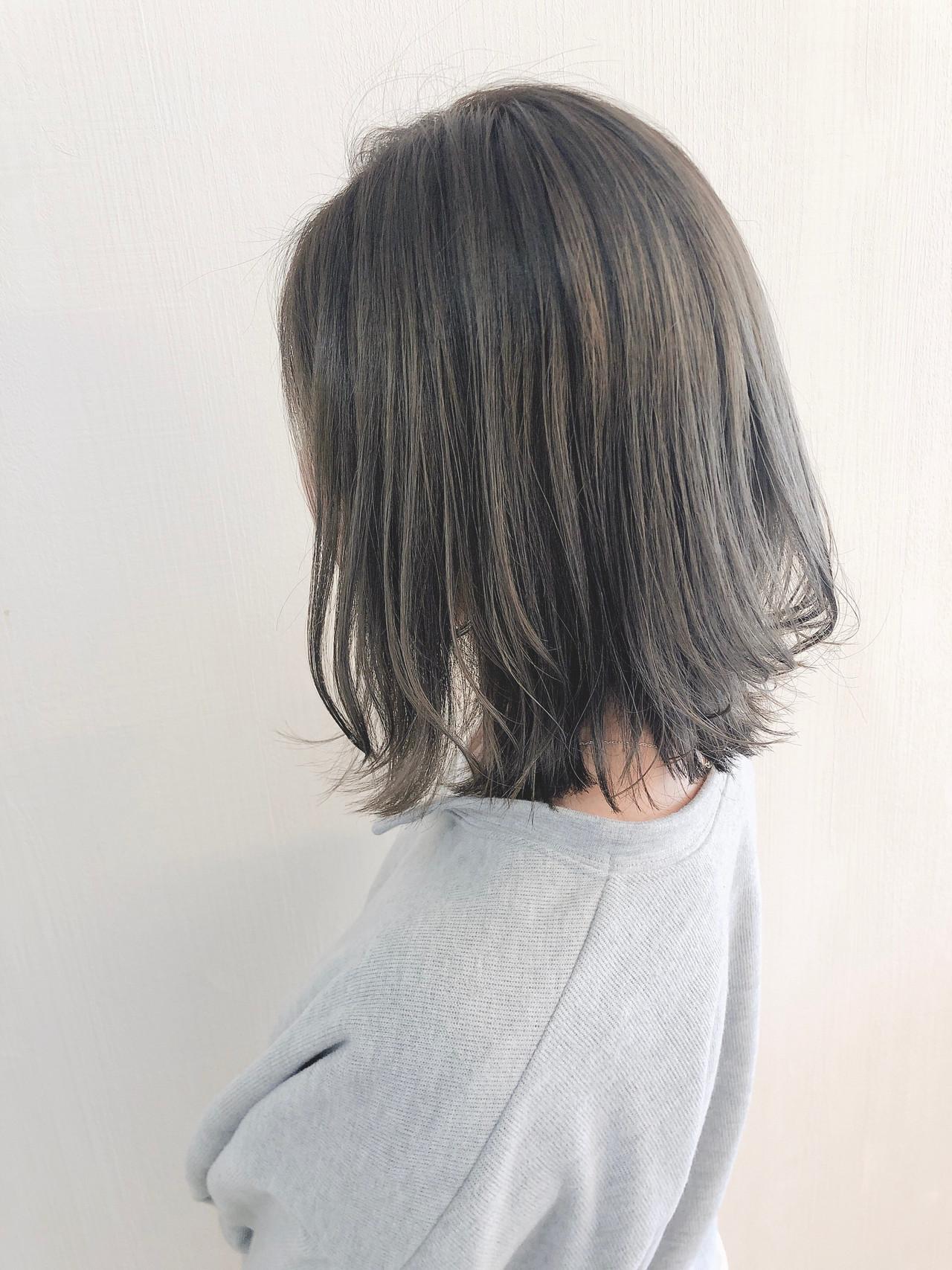 ナチュラル ヘアスタイル ミディアム ミルクティーベージュ ヘアスタイルや髪型の写真・画像