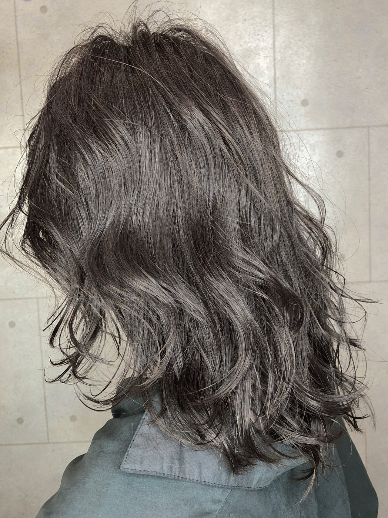 セミロング 成人式 イルミナカラー 黒髪 ヘアスタイルや髪型の写真・画像