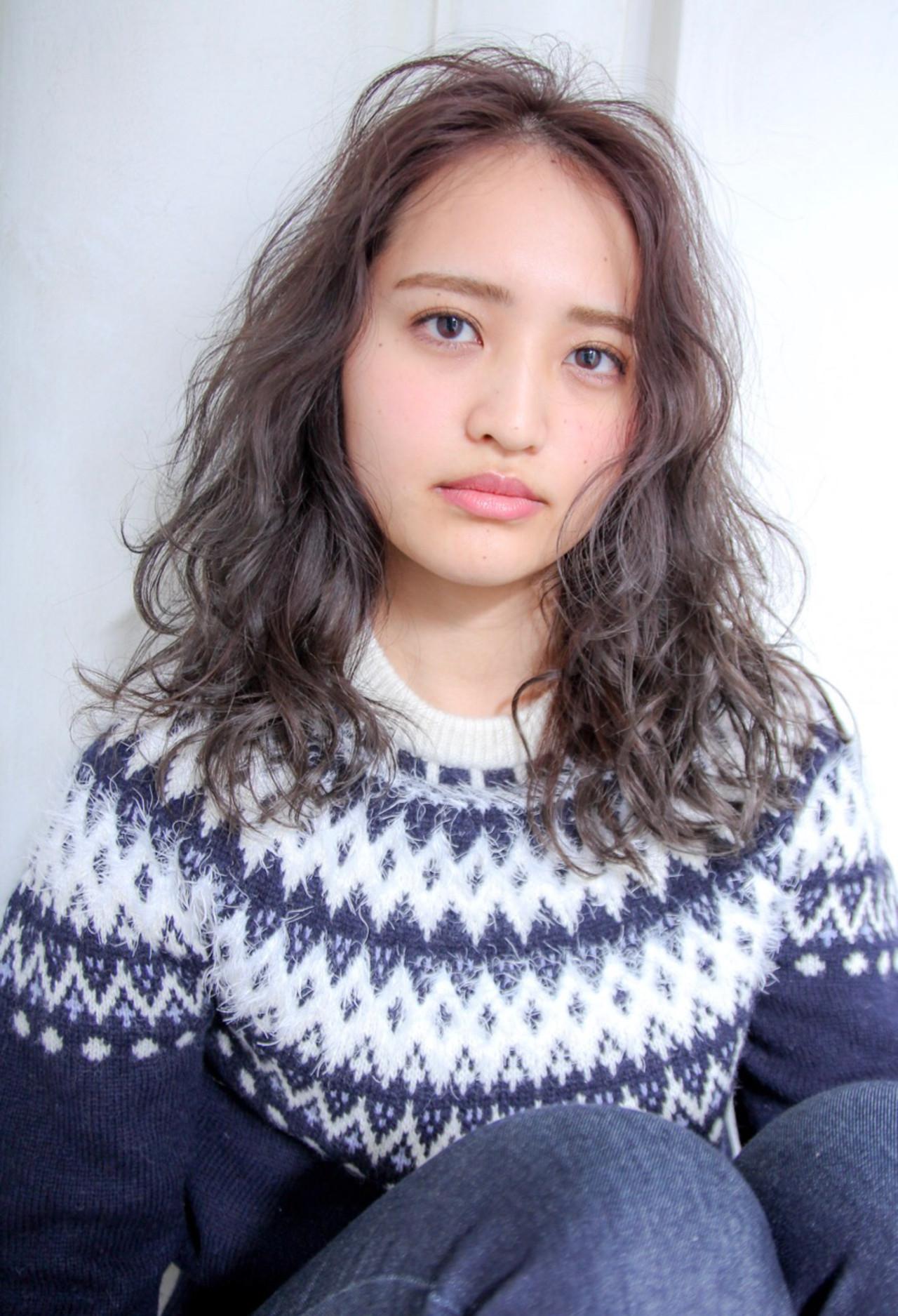 ナチュラル フェミニン アッシュ 外国人風 ヘアスタイルや髪型の写真・画像 | 川島 ゆり / ROGUE