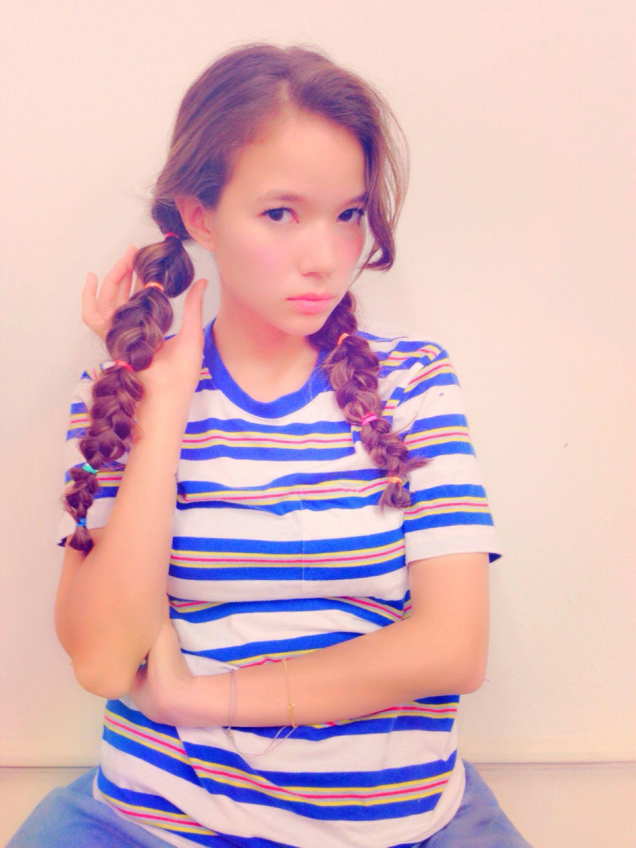 ナチュラル ストリート 秋 三つ編み ヘアスタイルや髪型の写真・画像 | 渡邊 涼 / BALLOON HAIR (バルーンヘア)