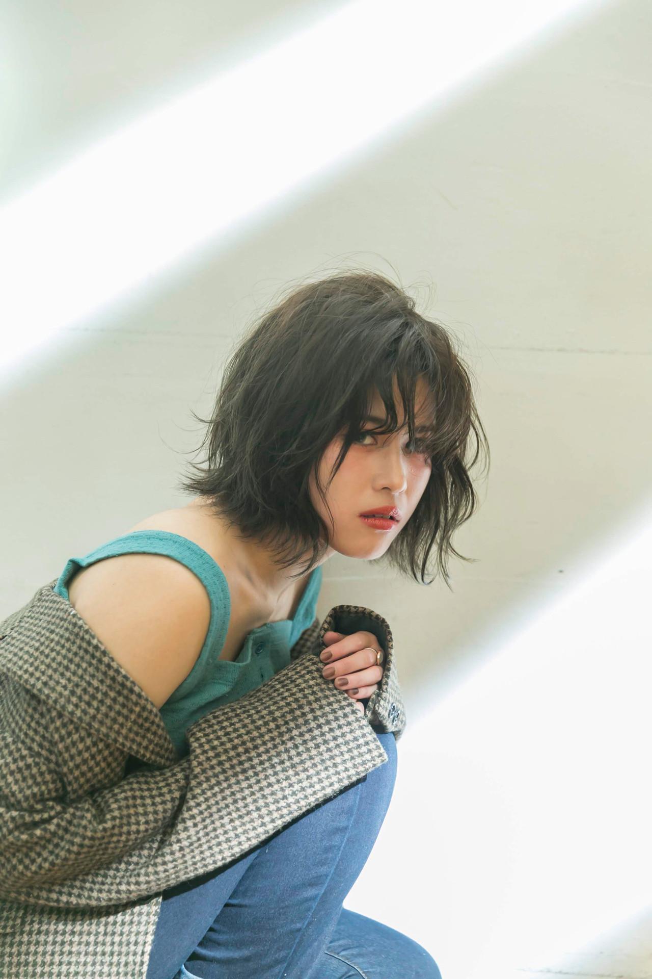 アンニュイほつれヘア 外ハネボブ ナチュラル 切りっぱなしボブ ヘアスタイルや髪型の写真・画像
