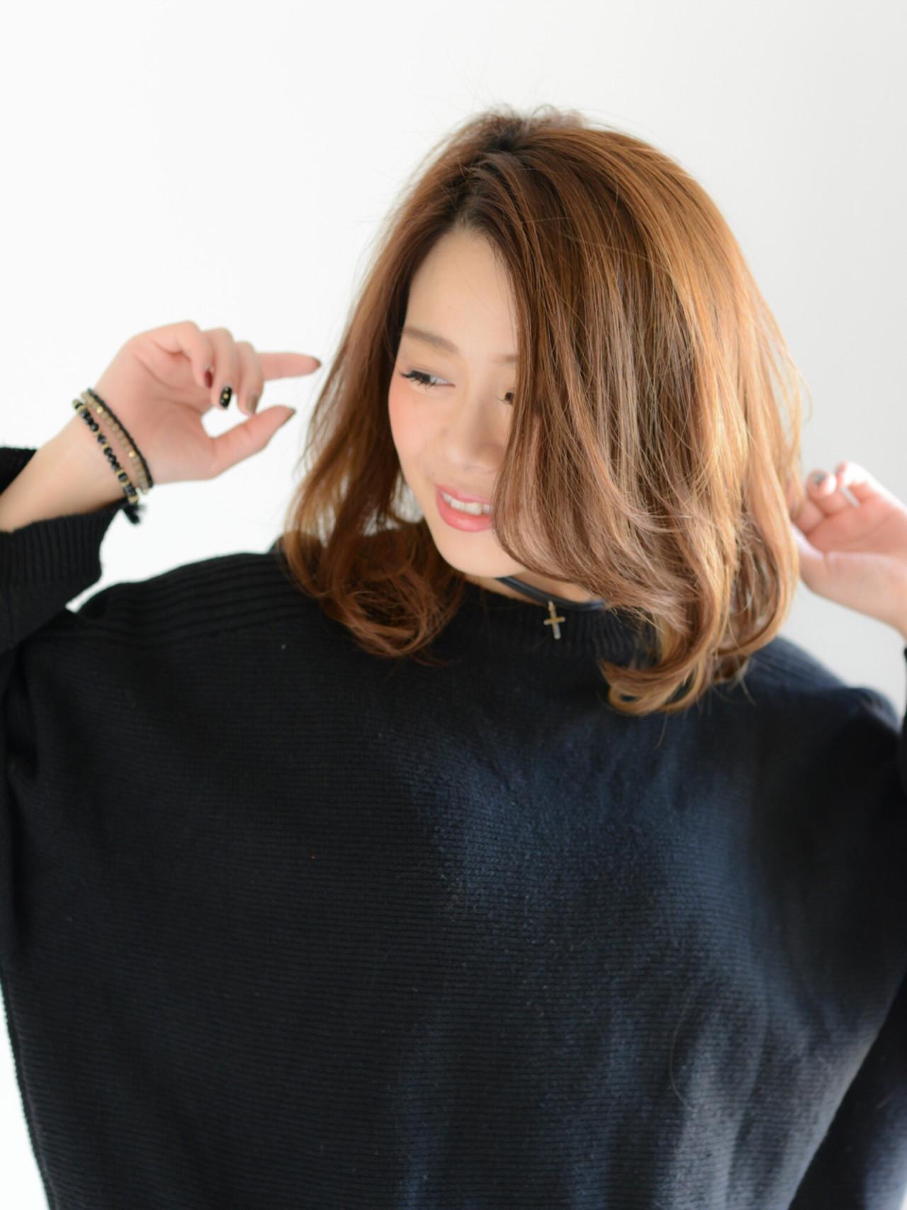 ミルクティー レイヤーカット ナチュラル ニュアンス ヘアスタイルや髪型の写真・画像
