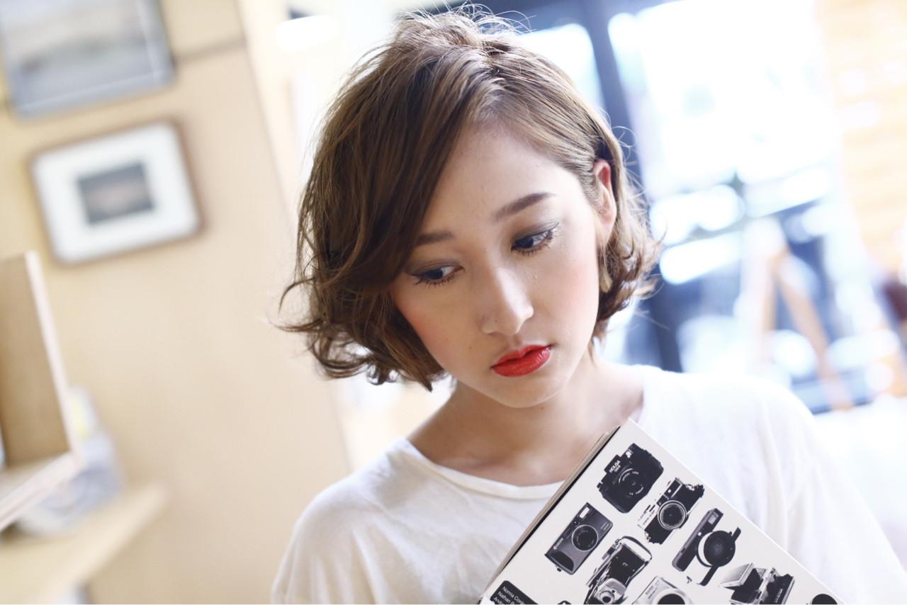 ナチュラル パーマ 大人女子 ニュアンス ヘアスタイルや髪型の写真・画像 | 熊谷 千佳 / Beach
