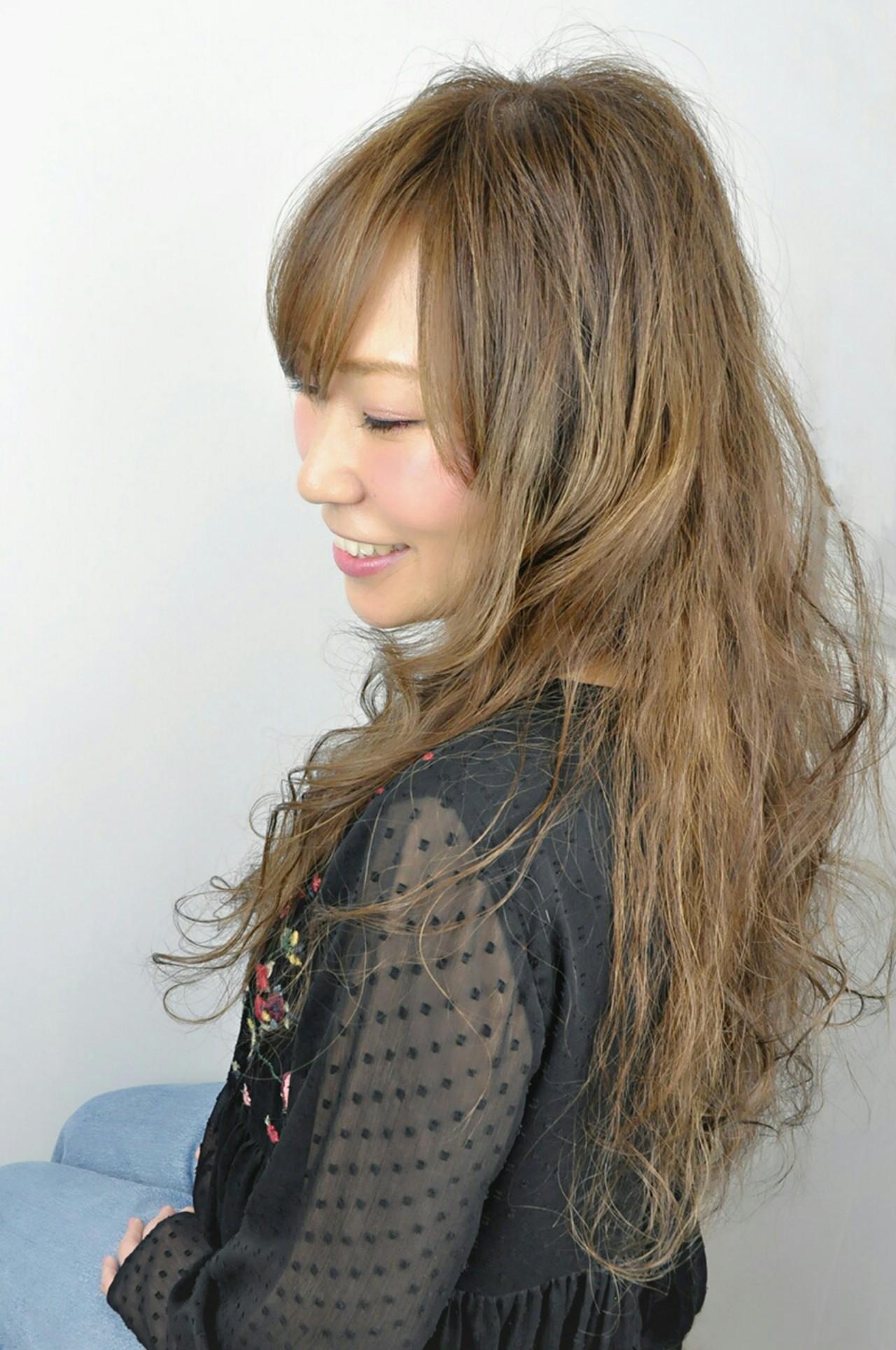 フェミニン ミルクティー 大人かわいい セミロング ヘアスタイルや髪型の写真・画像