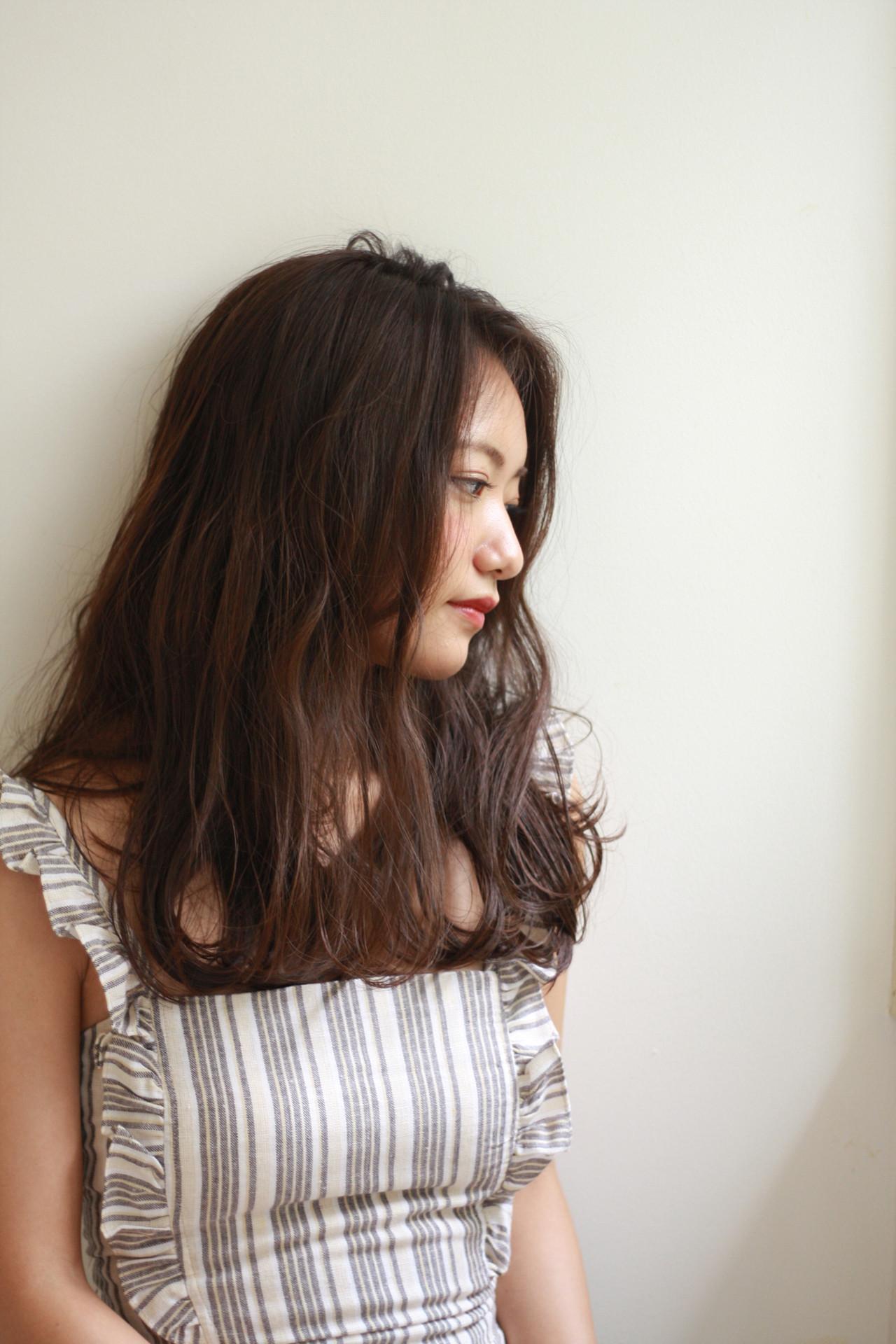 アッシュグレージュ アッシュ 無造作 巻き髪 ヘアスタイルや髪型の写真・画像 | fujihara daigo / LAULEA
