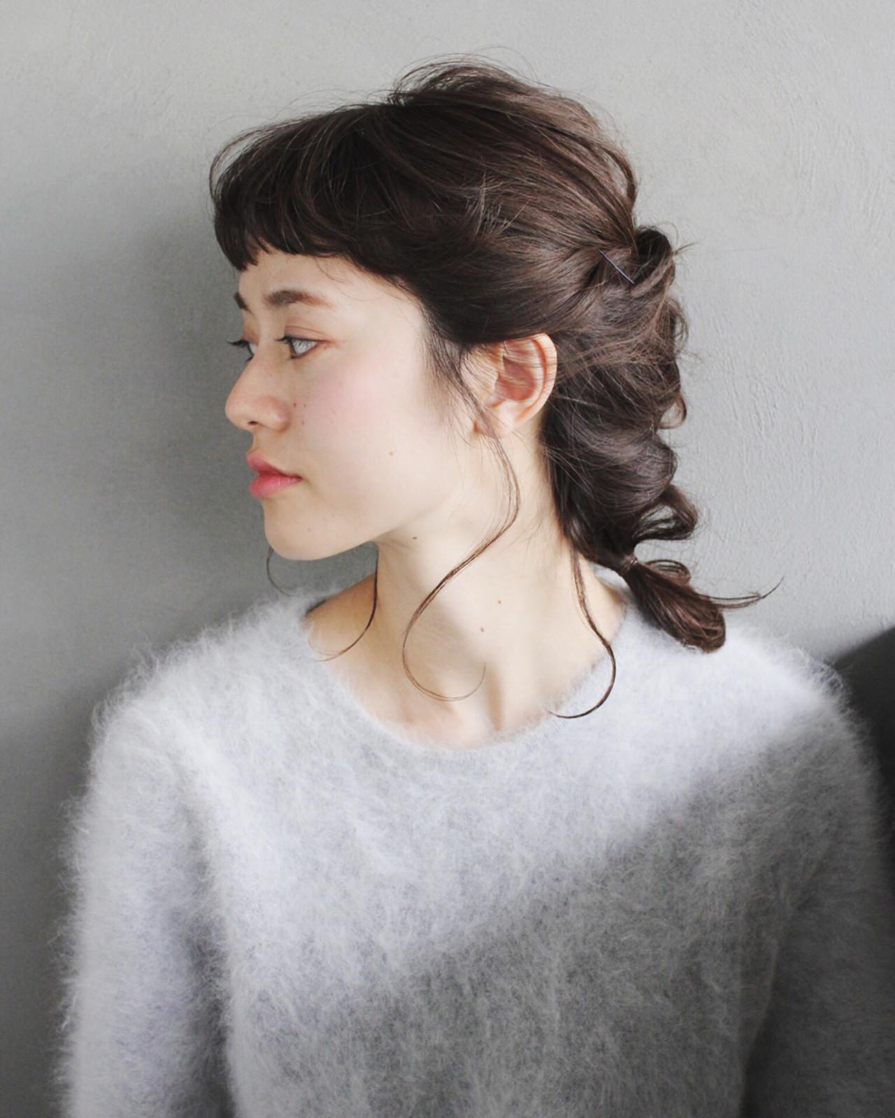 暗髪 セミロング シースルーバング ルーズ ヘアスタイルや髪型の写真・画像