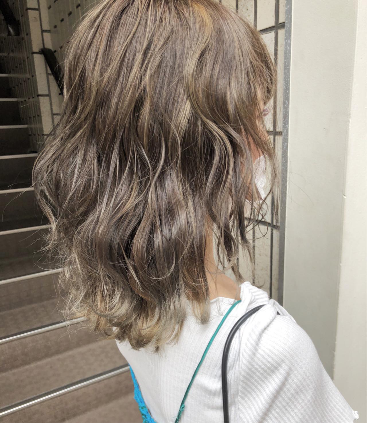 グレージュ エフォートレス ナチュラル ロブ ヘアスタイルや髪型の写真・画像