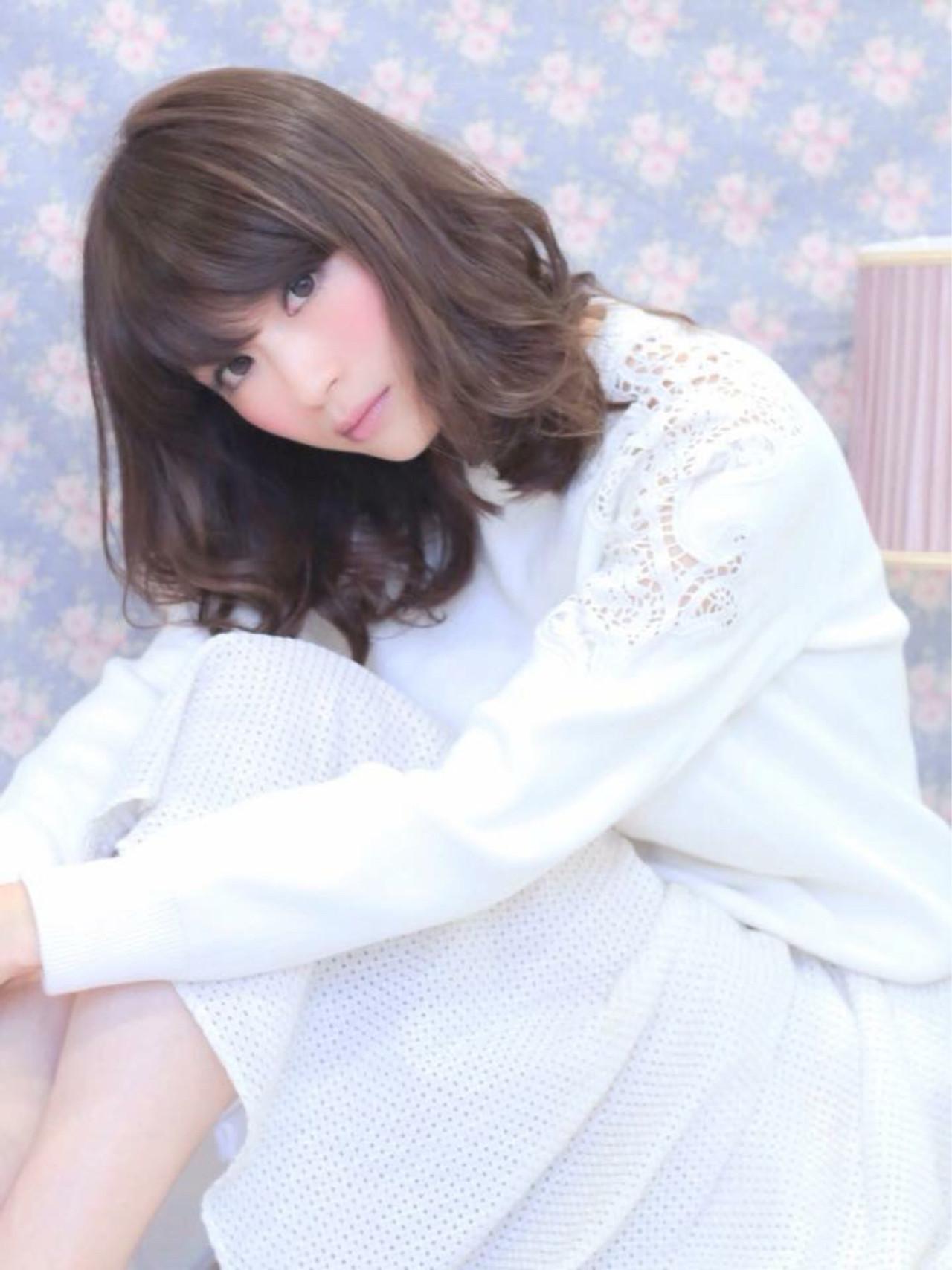 ミディアム 大人女子 ミルクティー ニュアンス ヘアスタイルや髪型の写真・画像 | 梅本裕基 / LaBless 心斎橋サロン