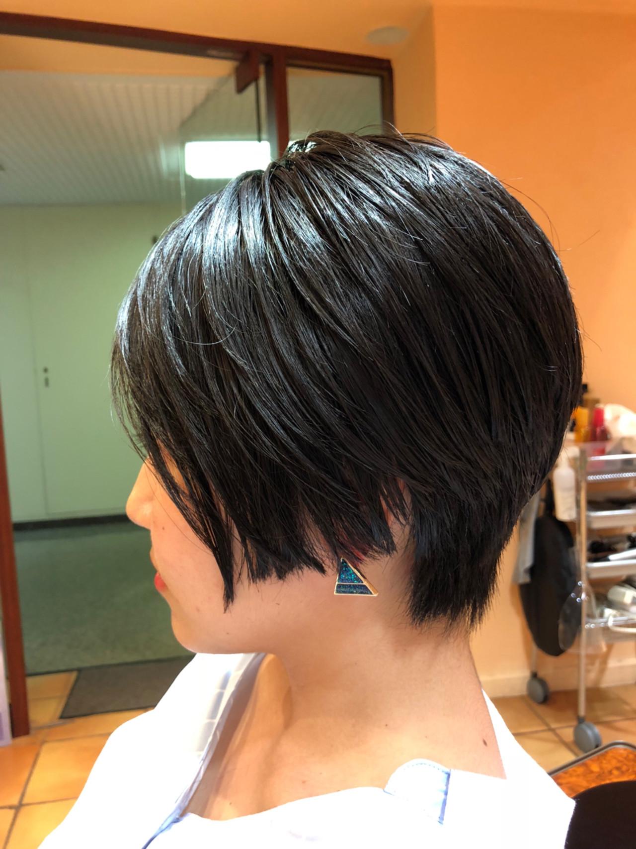 センターパート ショート ナチュラル 黒髪 ヘアスタイルや髪型の写真・画像